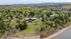27546 Farm Road 1200, Eagle Rock, MO 65641