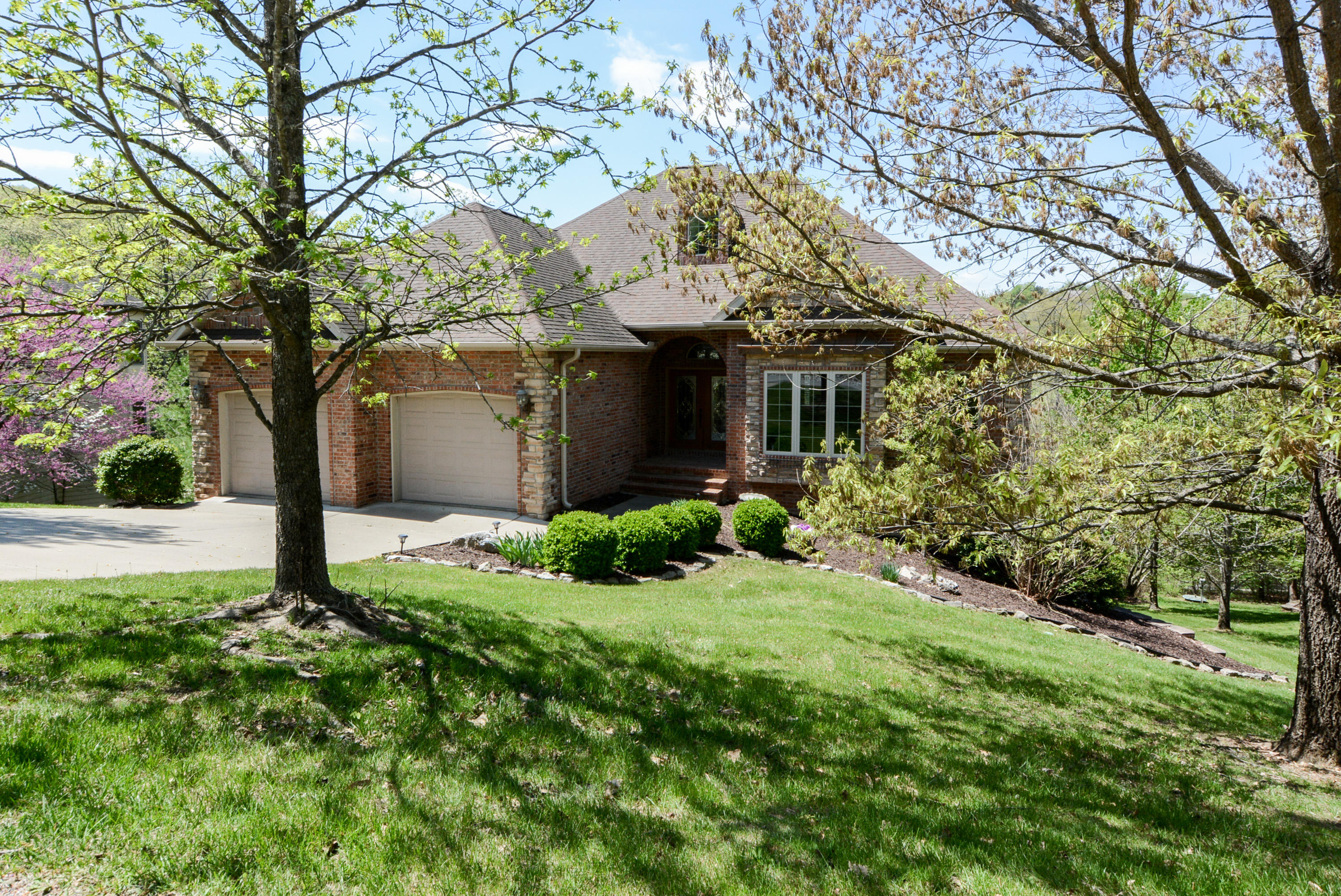 1411 Stoneycreek Circle Branson West, MO 65737