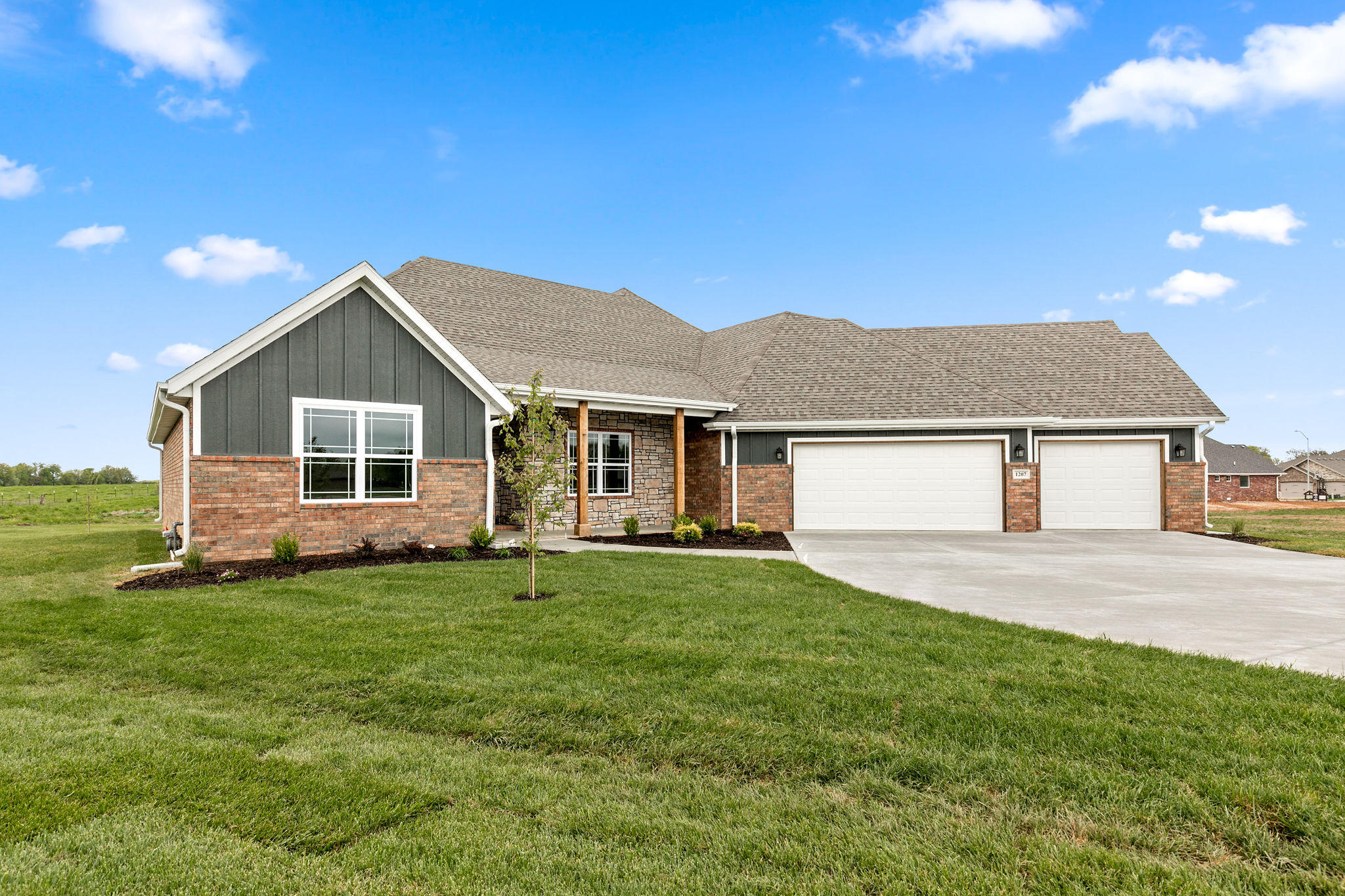 1207 North Yellowstone Street Nixa, MO 65714
