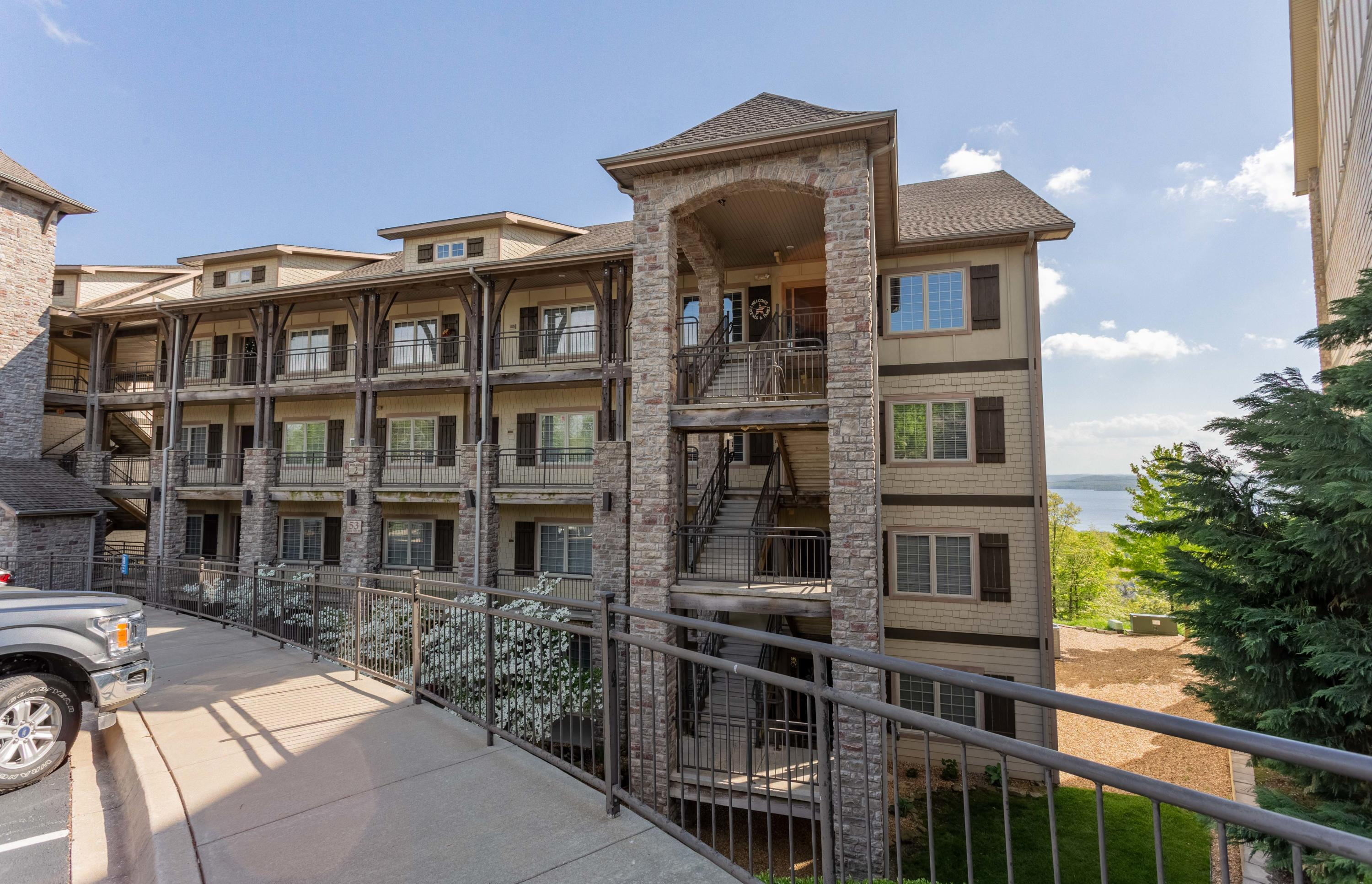 53 Royal Vista Drive #212 Branson, MO 65616