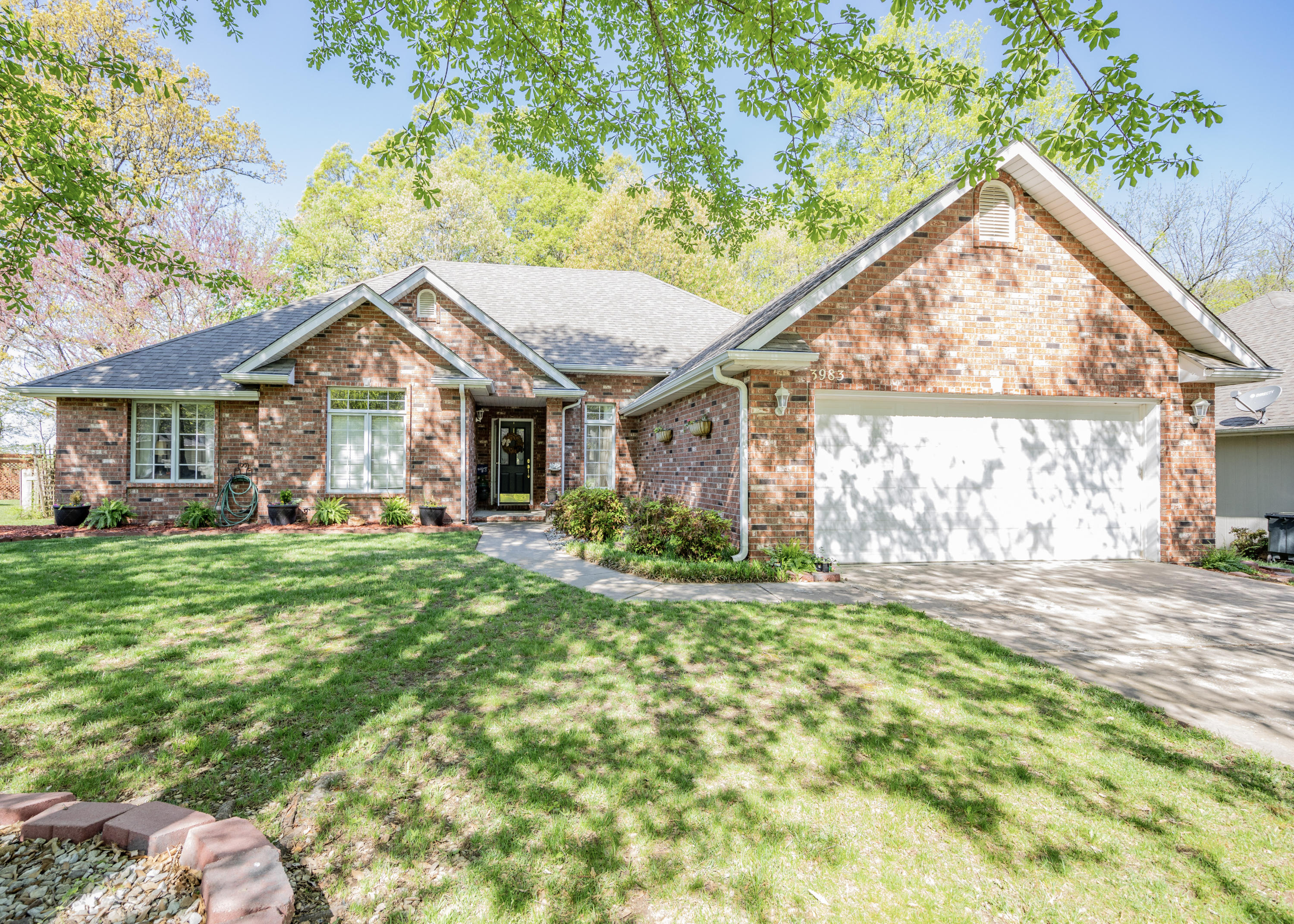 3983 North Williams Place Springfield, MO 65803