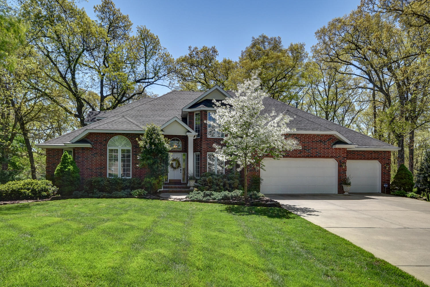 4366 East Misty Woods Street Springfield, MO 65809