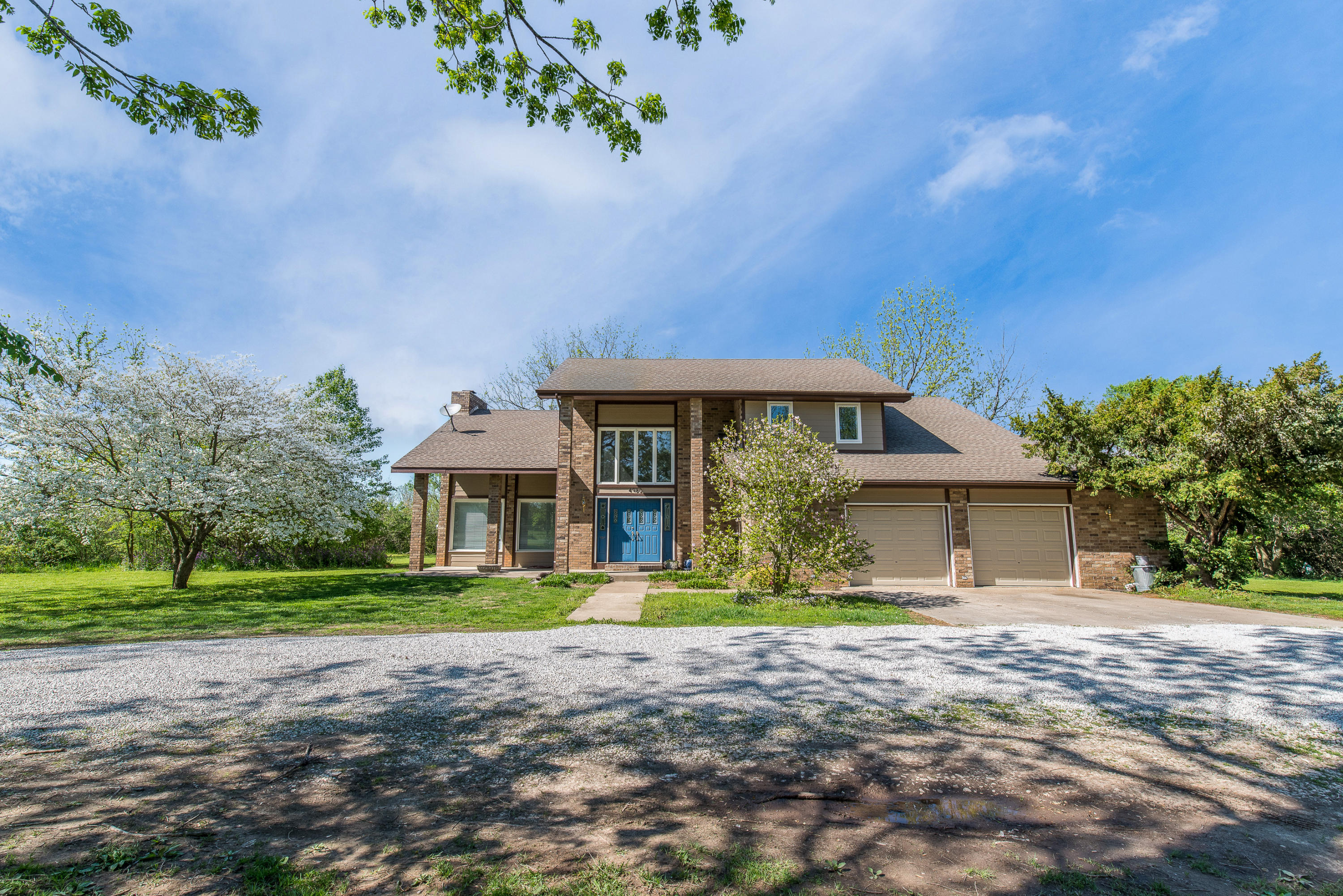 4980 South Butterfield Place Battlefield, MO 65619