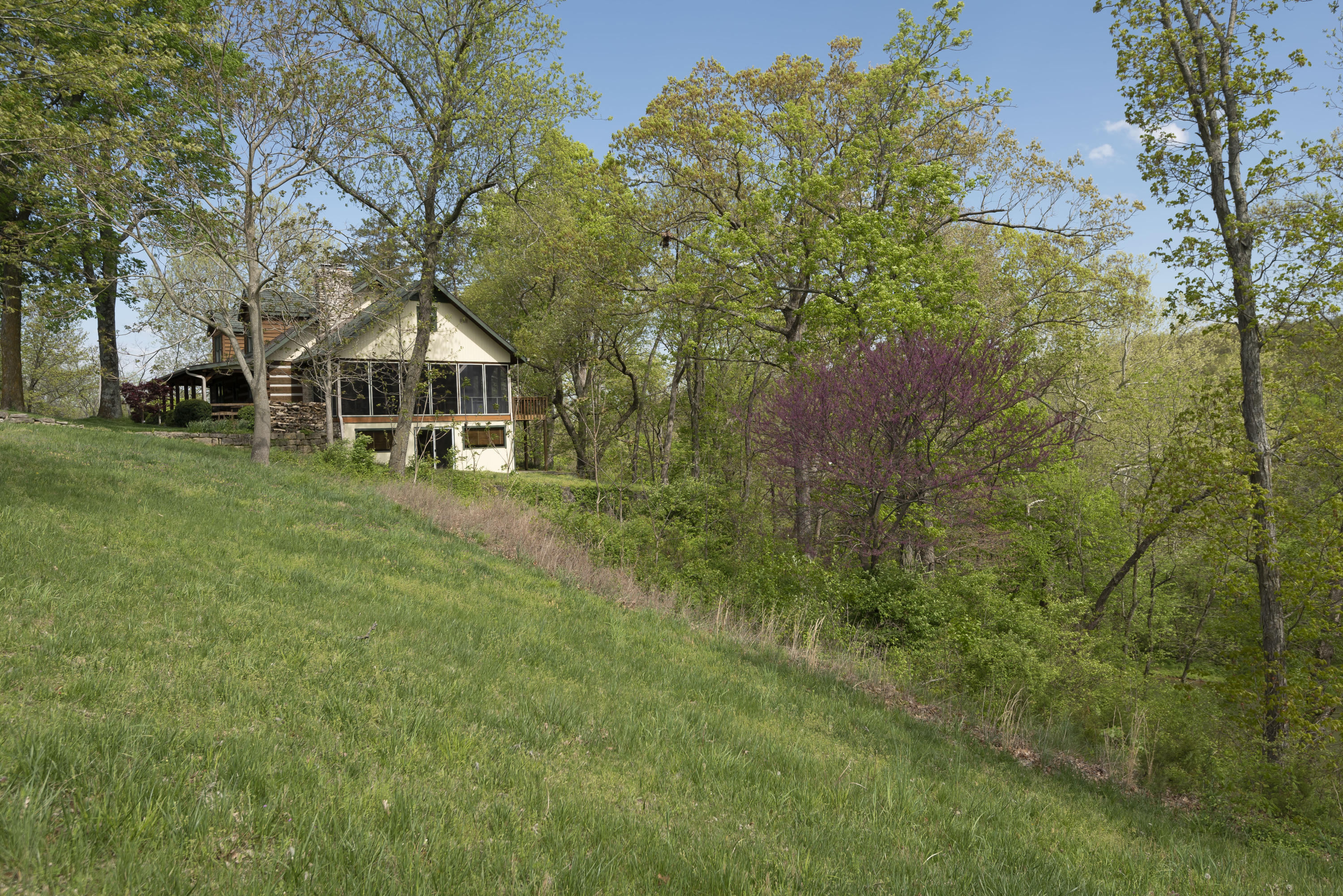 8105 East Farm Road Rogersville, MO 65742