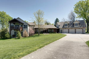 3995 East Apple Hill Lane, Springfield, MO 65802