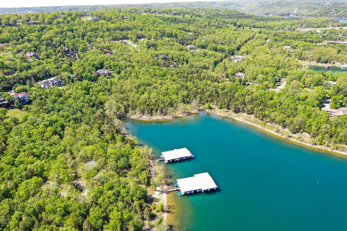 31 Lake Vista Lane Branson West, MO 65737