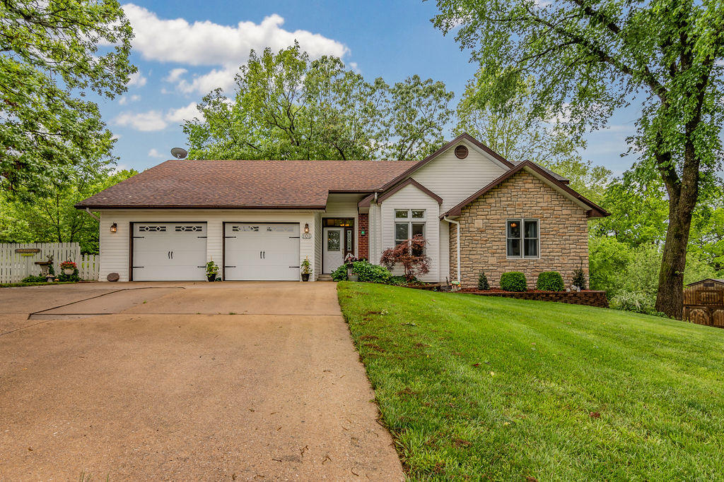 101 Diamond Hill Court Hollister, MO 65672
