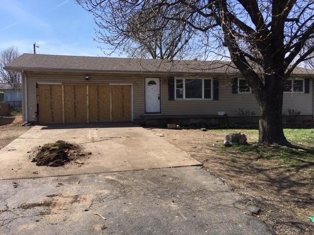 2215 North Clifton Avenue Springfield, MO 65803