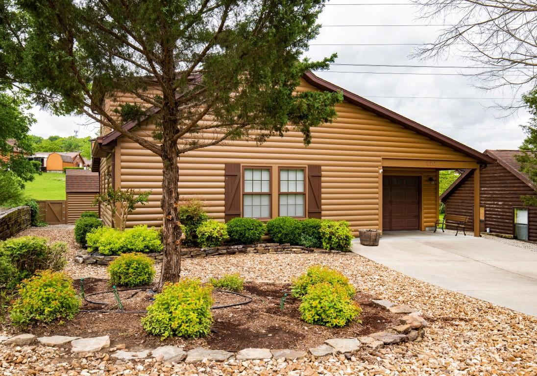 330 Valley Stream Circle Hollister, MO 65672