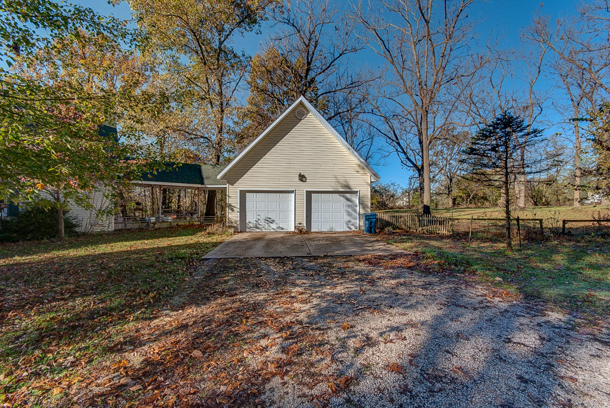 3660 West Farm Road Battlefield, MO 65619