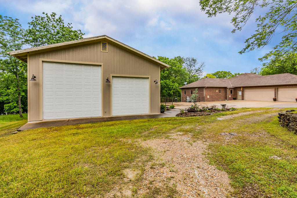 1369 Stormy Point Road Branson, MO 65616