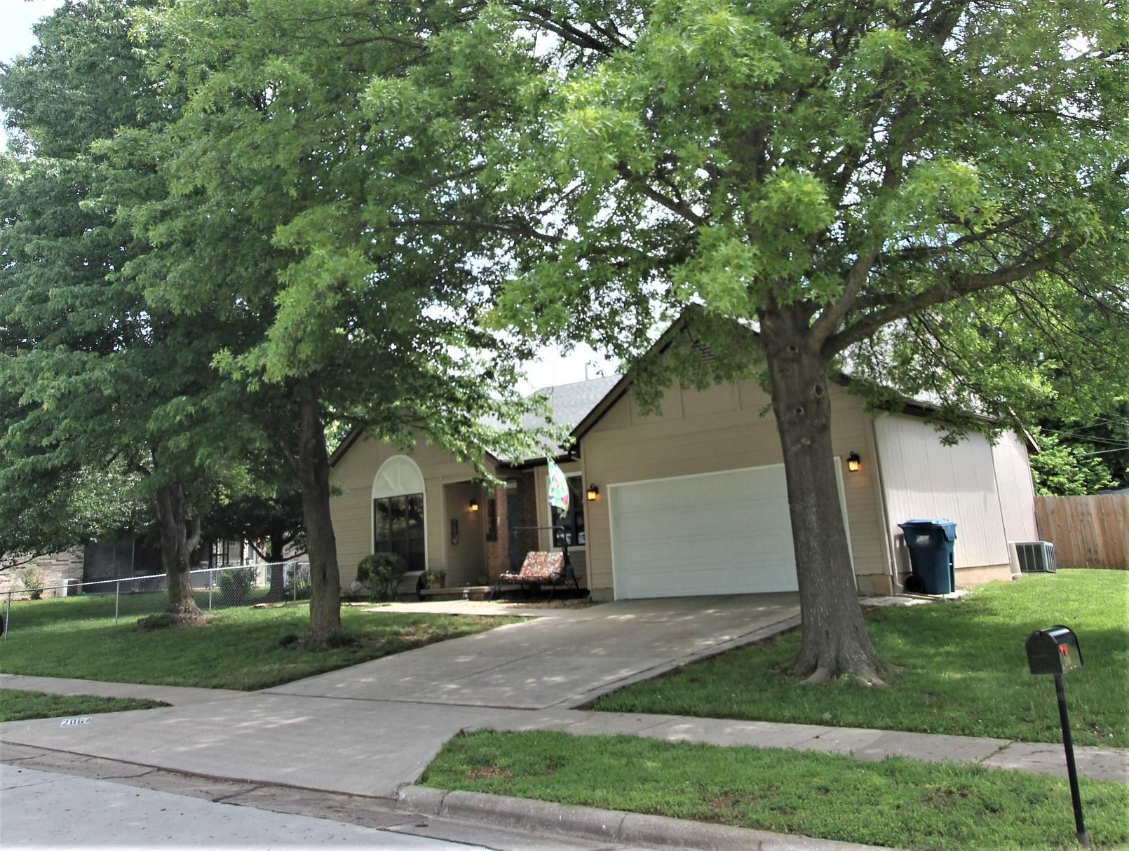 2064 South Glenn Avenue Springfield, MO 65807