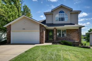1258 West Bridgewood Place, Nixa, MO 65714