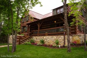 3380 Victor Church Road, Branson, MO 65616