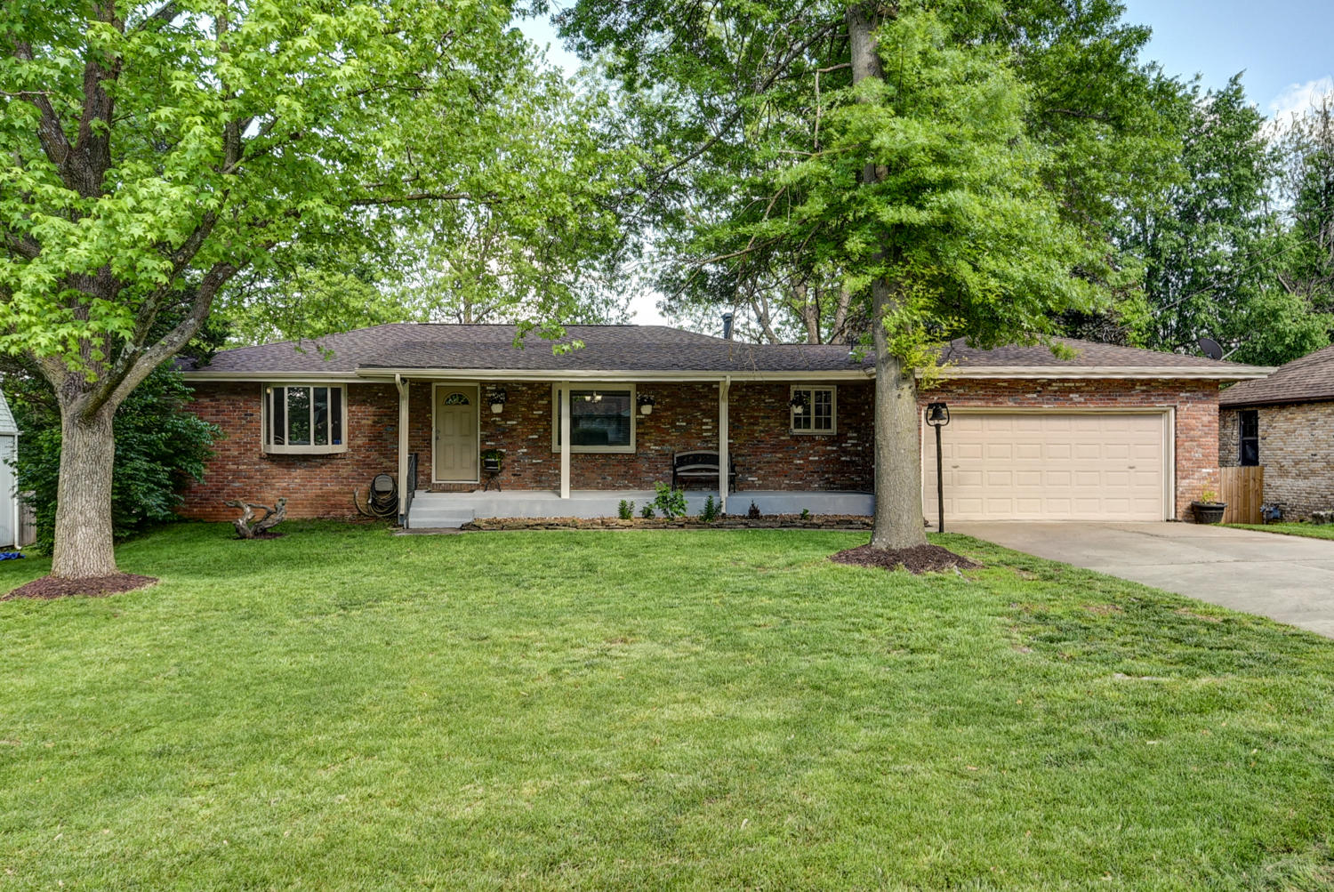 3442 South Carriage Avenue Springfield, MO 65809