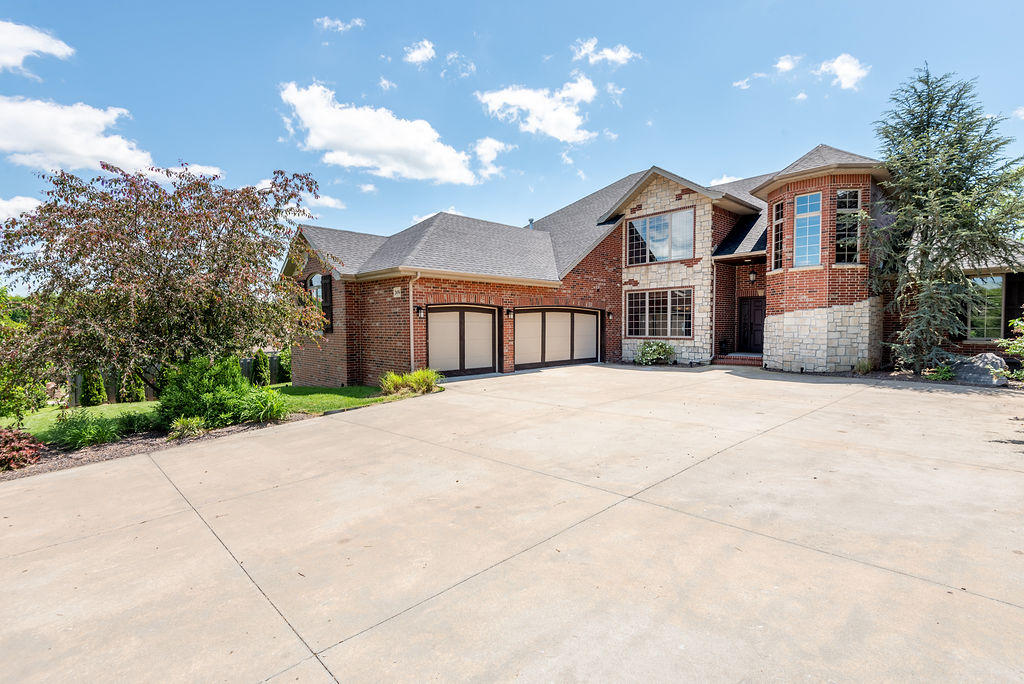 2656 West Williamsburg Street Springfield, MO 65810