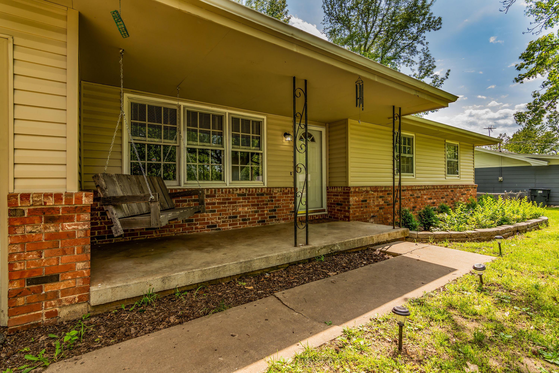 406 East Lester Street Willard, MO 65781