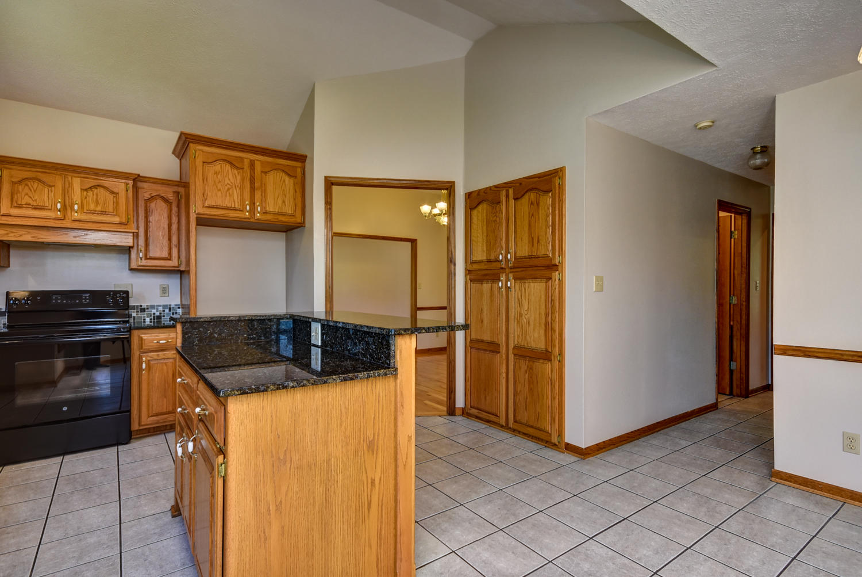 1602 East Parkview Street Ozark, MO 65721