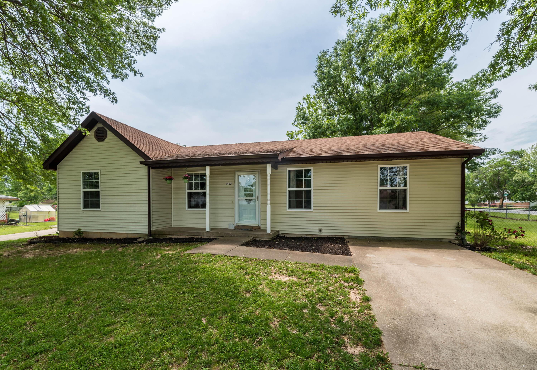 1422 West Pine Street Bolivar, MO 65613