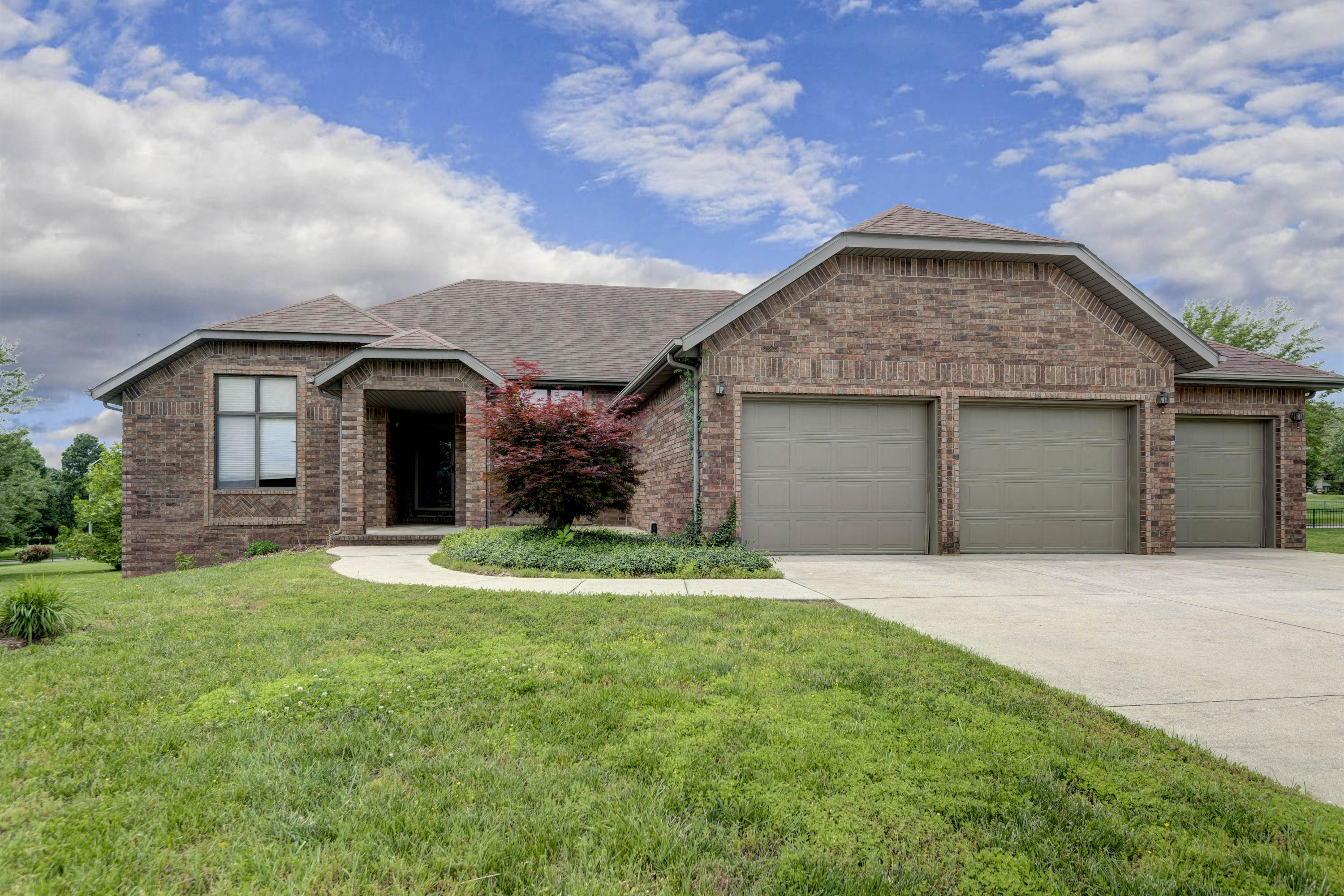 4224 East Crosswinds Place Springfield, MO 65809