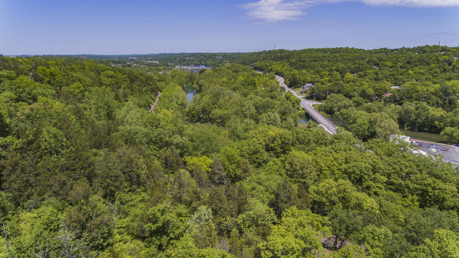 231 Taneycomo Hill Dr Hollister, MO 65672