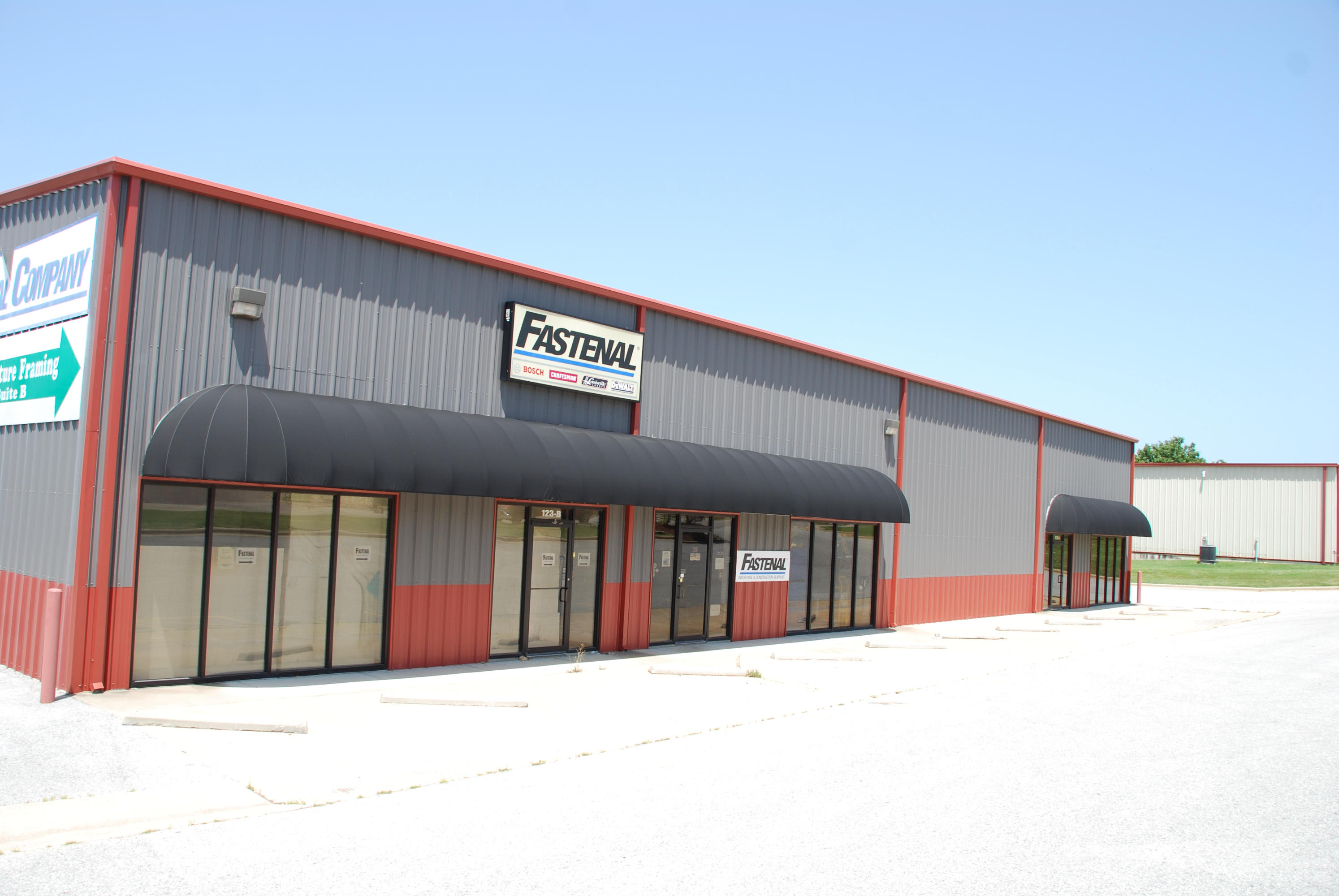 123 Industrial Park Drive Hollister, MO 65672