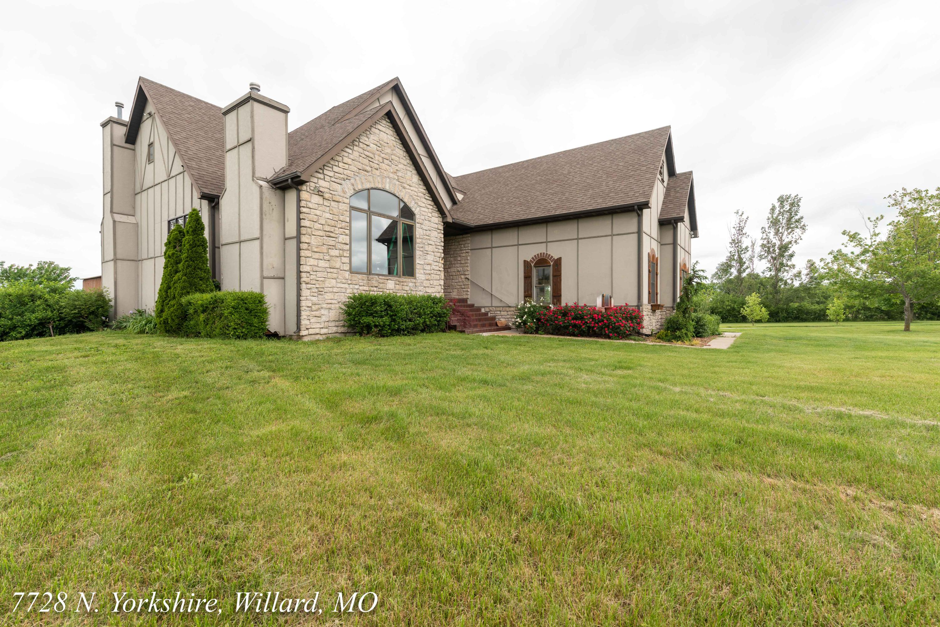 7782 North Yorkshire Lane Willard, MO 65781
