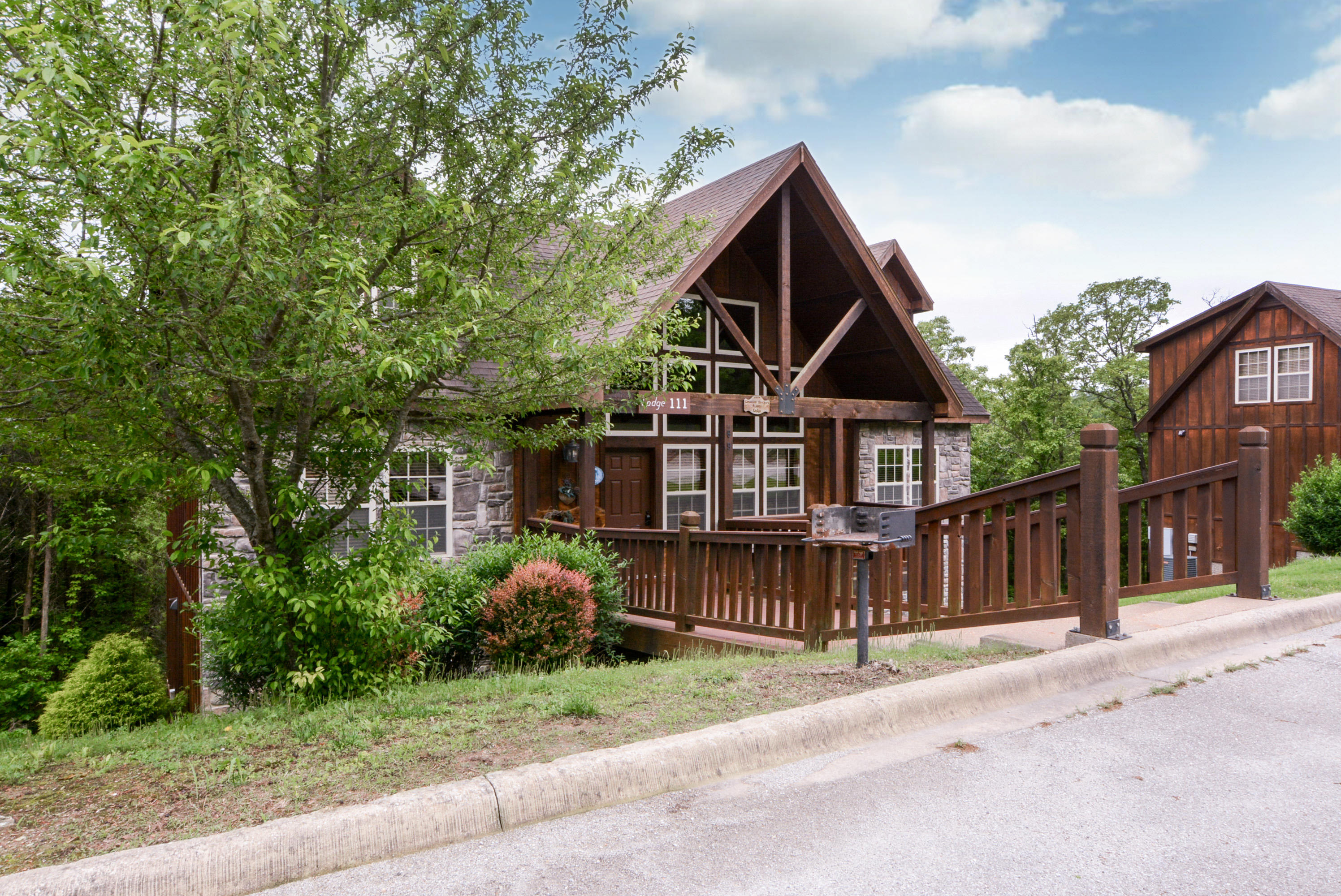 69 Deerfield Lane, Lodge Branson West, MO 65737