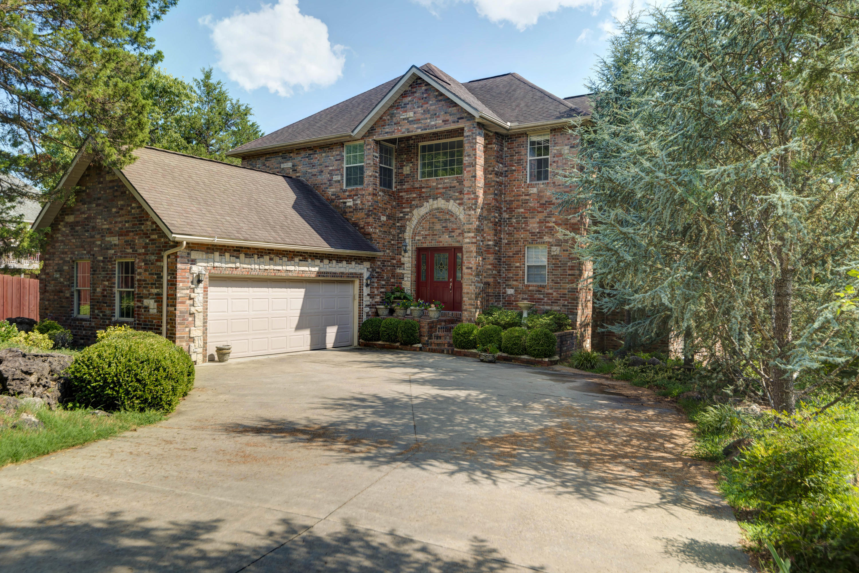 252 Summerwood Drive Branson, MO 65616