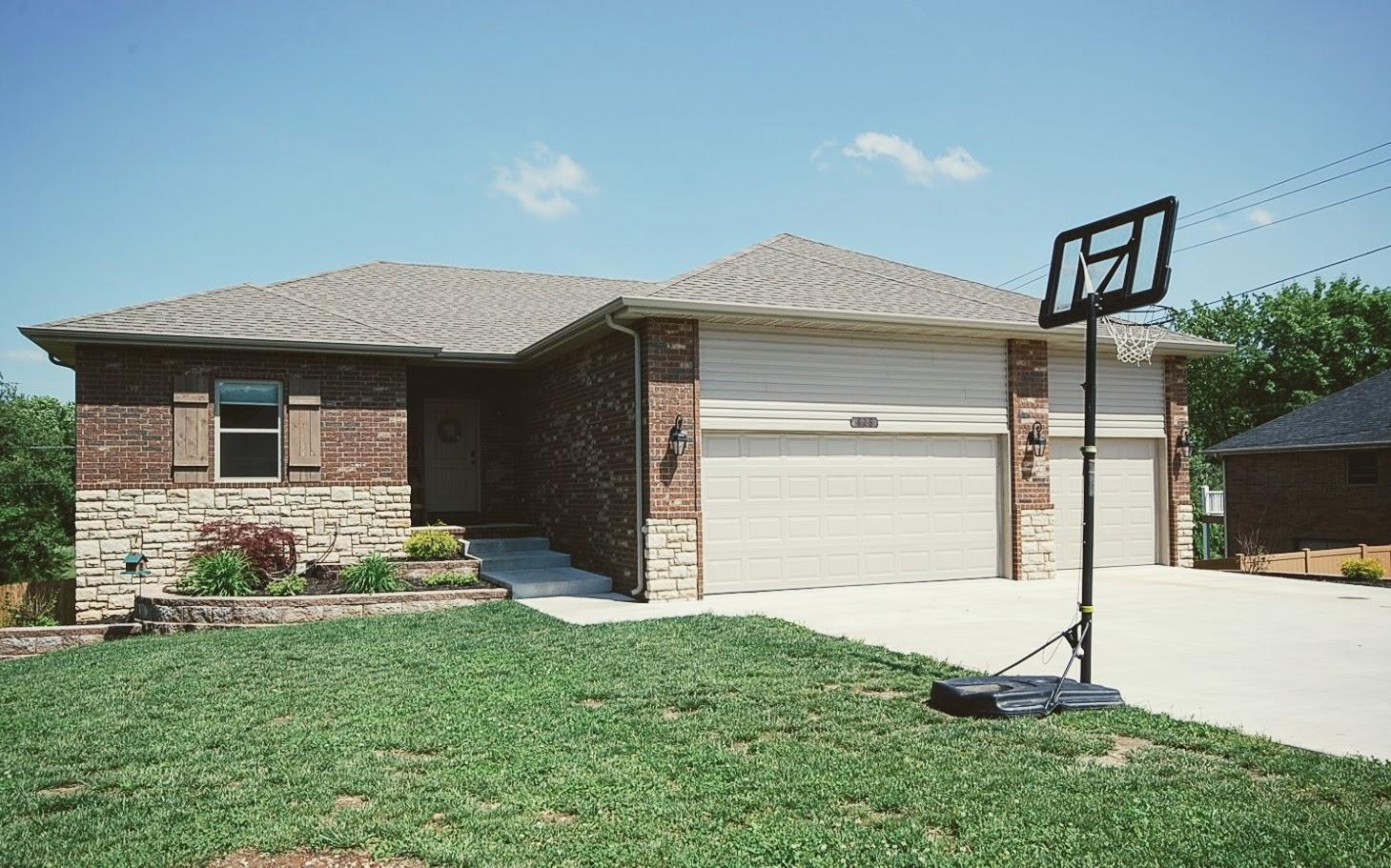 828 Mark Street Willard, MO 65781