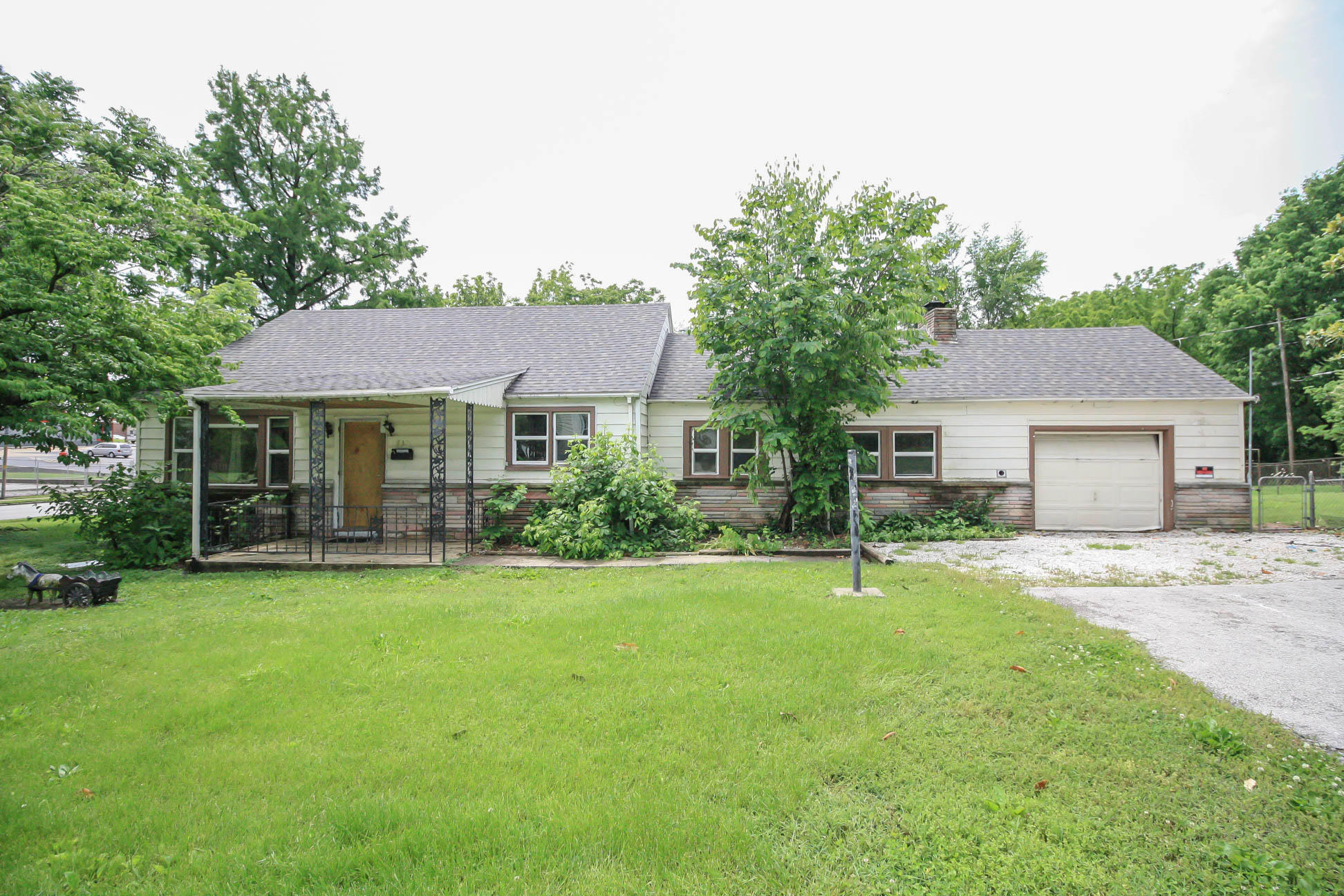 733 North Fremont Avenue Springfield, MO 65802