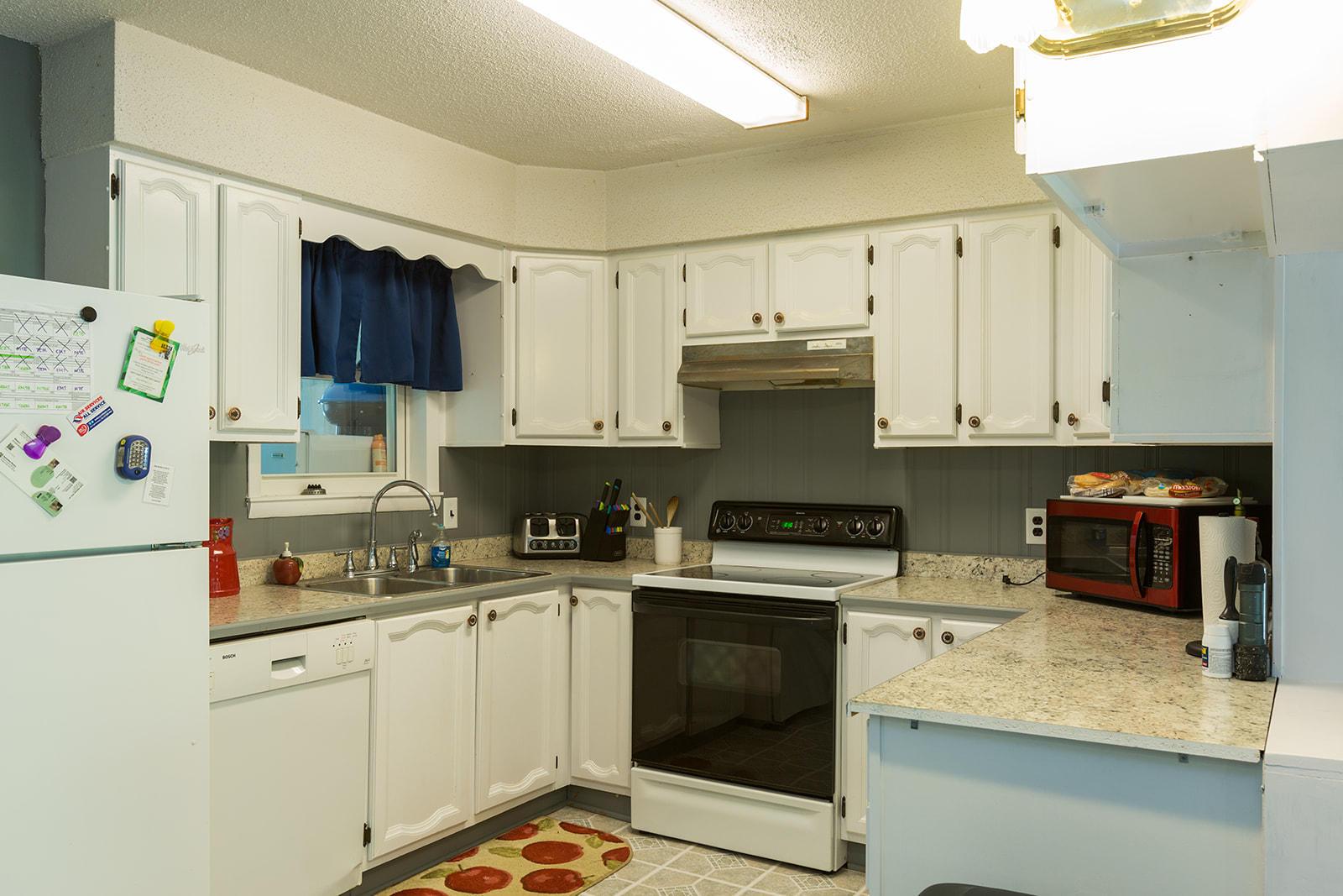 6302 South Farm Rd Rogersville, MO 65742