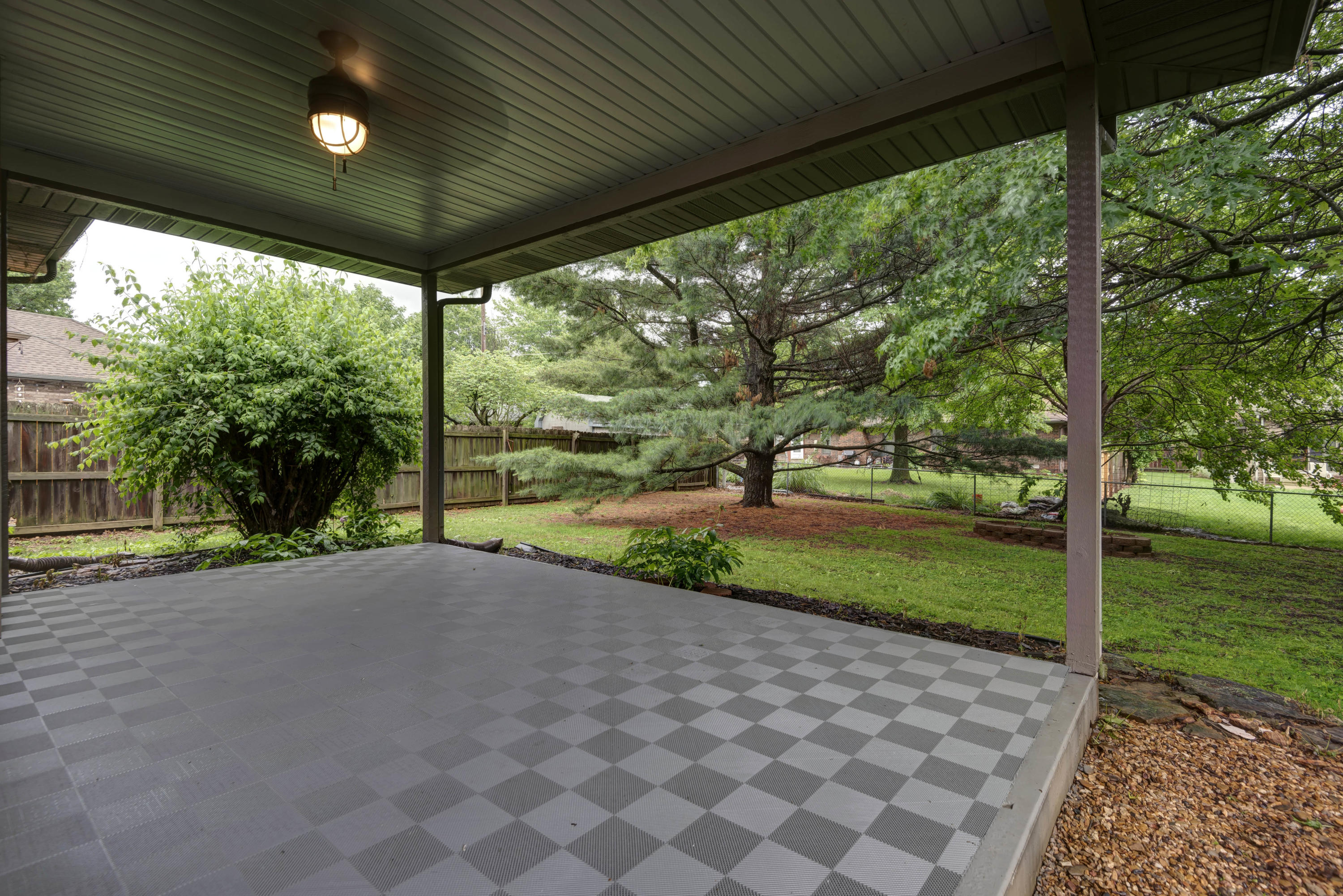 2308 South Nolting Avenue Springfield, MO 65807