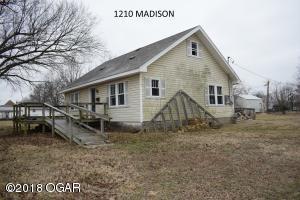 1210 Madison Galena, KS 66739