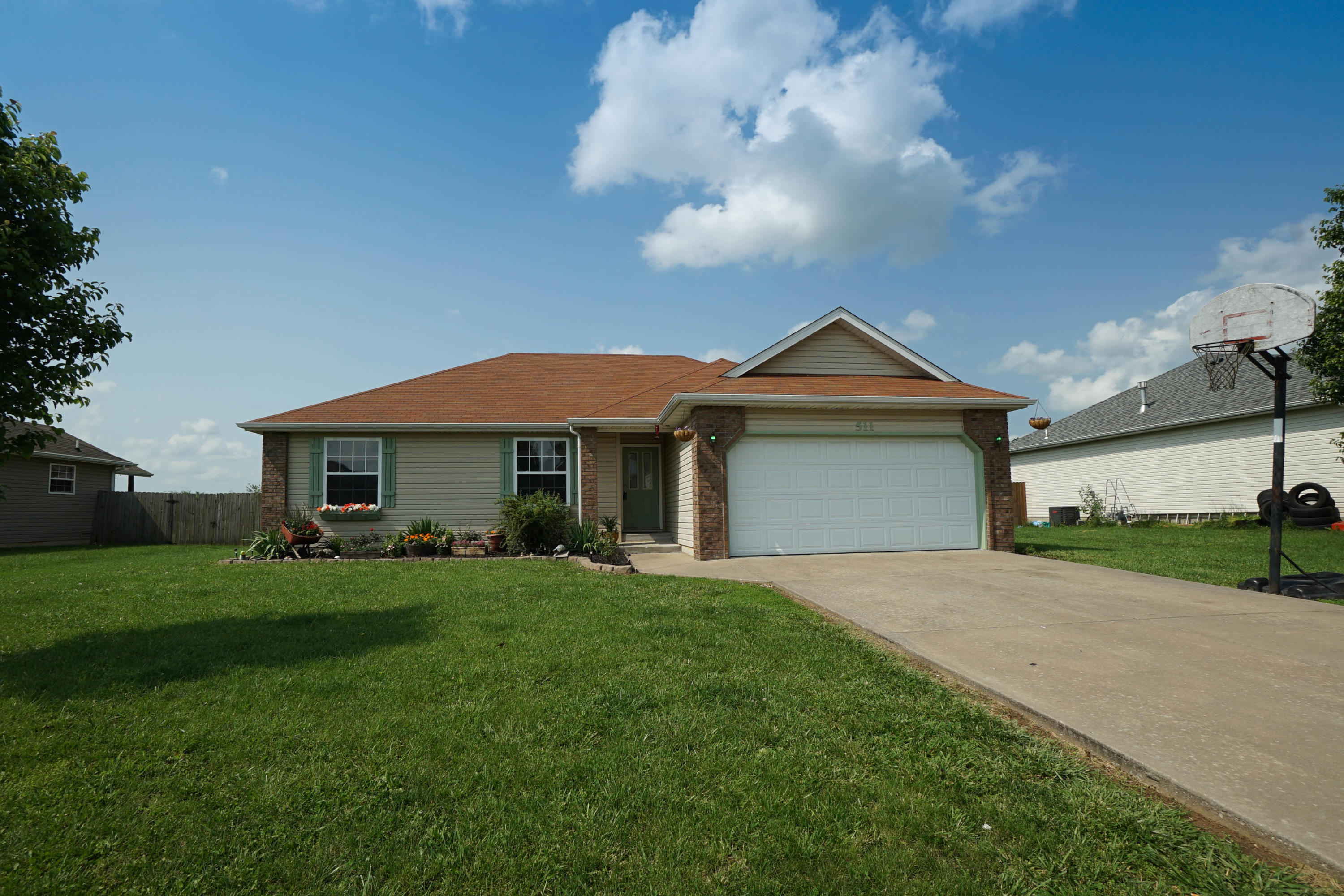 511 Osage Street Clever, MO 65631