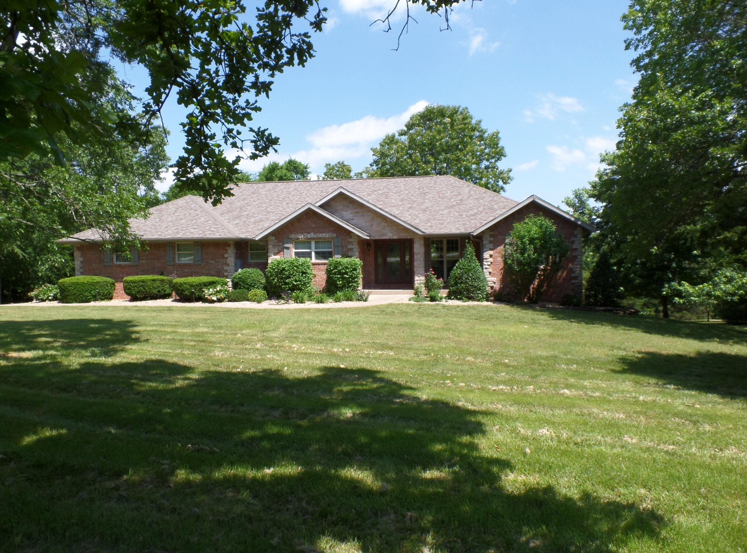 1055 Alyeska Point Road Lampe, MO 65681