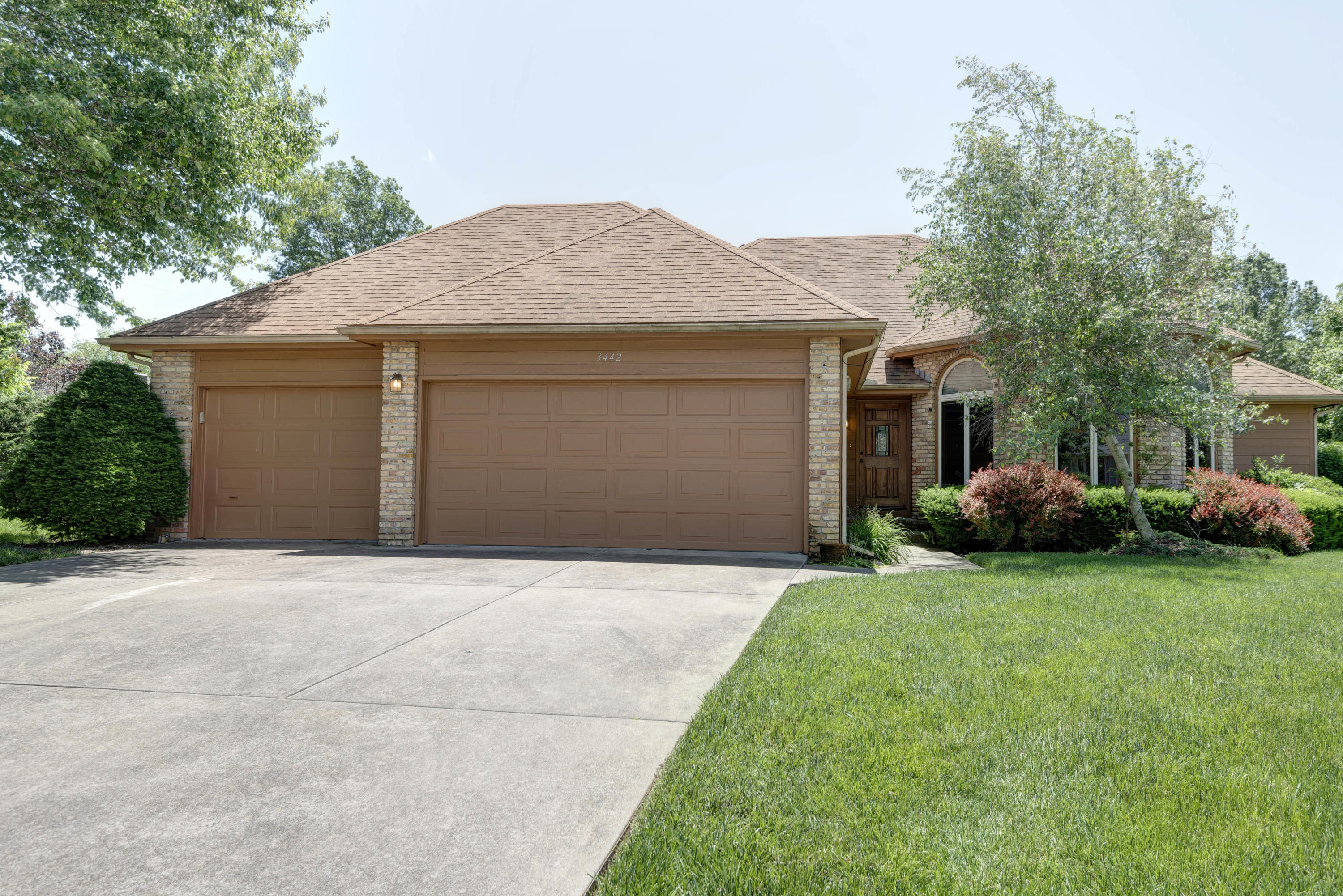 3442 South Glenhaven Court Springfield, MO 65804
