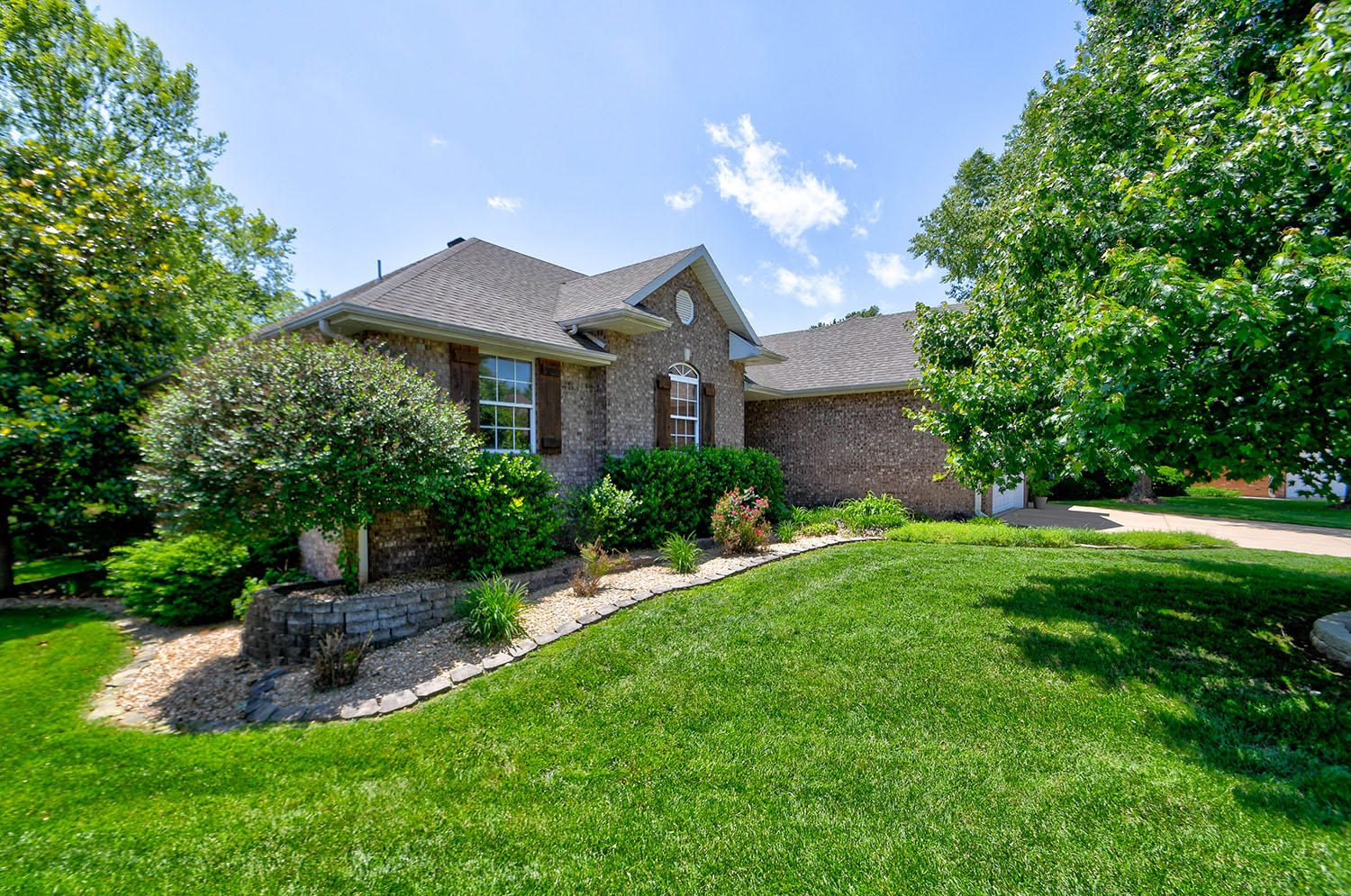 5274 South Clay Avenue Springfield, MO 65810