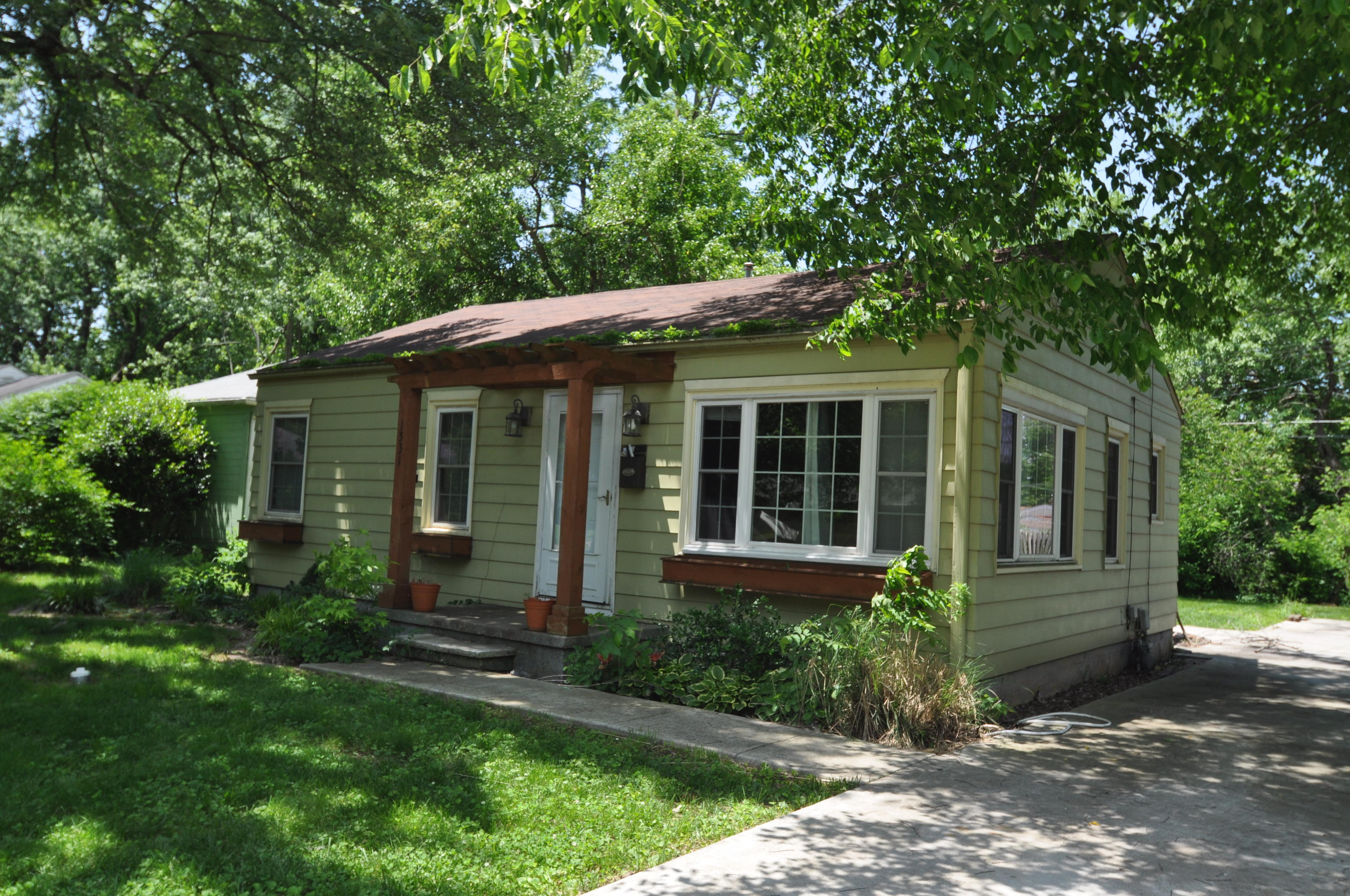 1531 South Pickwick Avenue Springfield, MO 65804