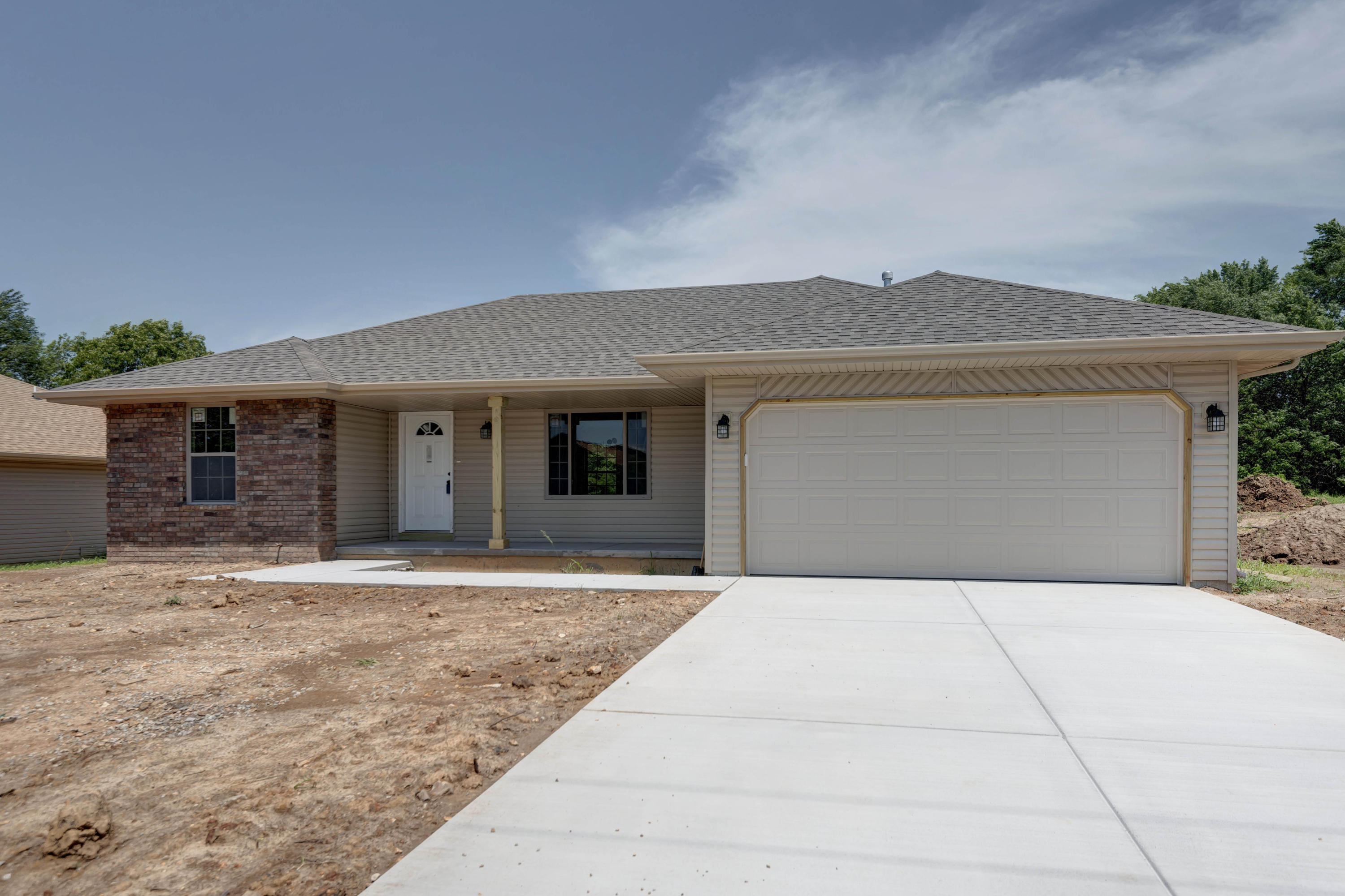 313 Hayes Avenue Clever, MO 65631