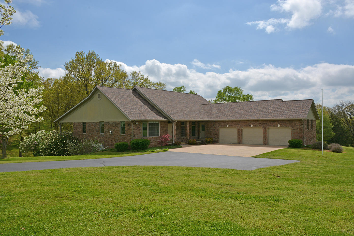 1411 Collins Road Ozark, MO 65721
