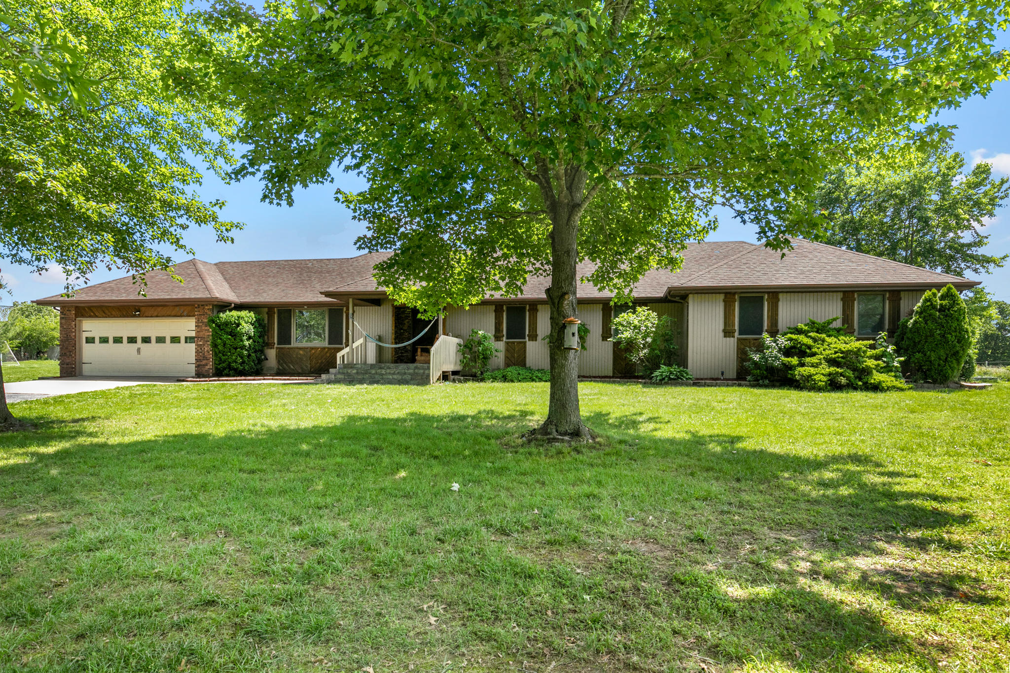 246 South Carroll Road Nixa, MO 65714