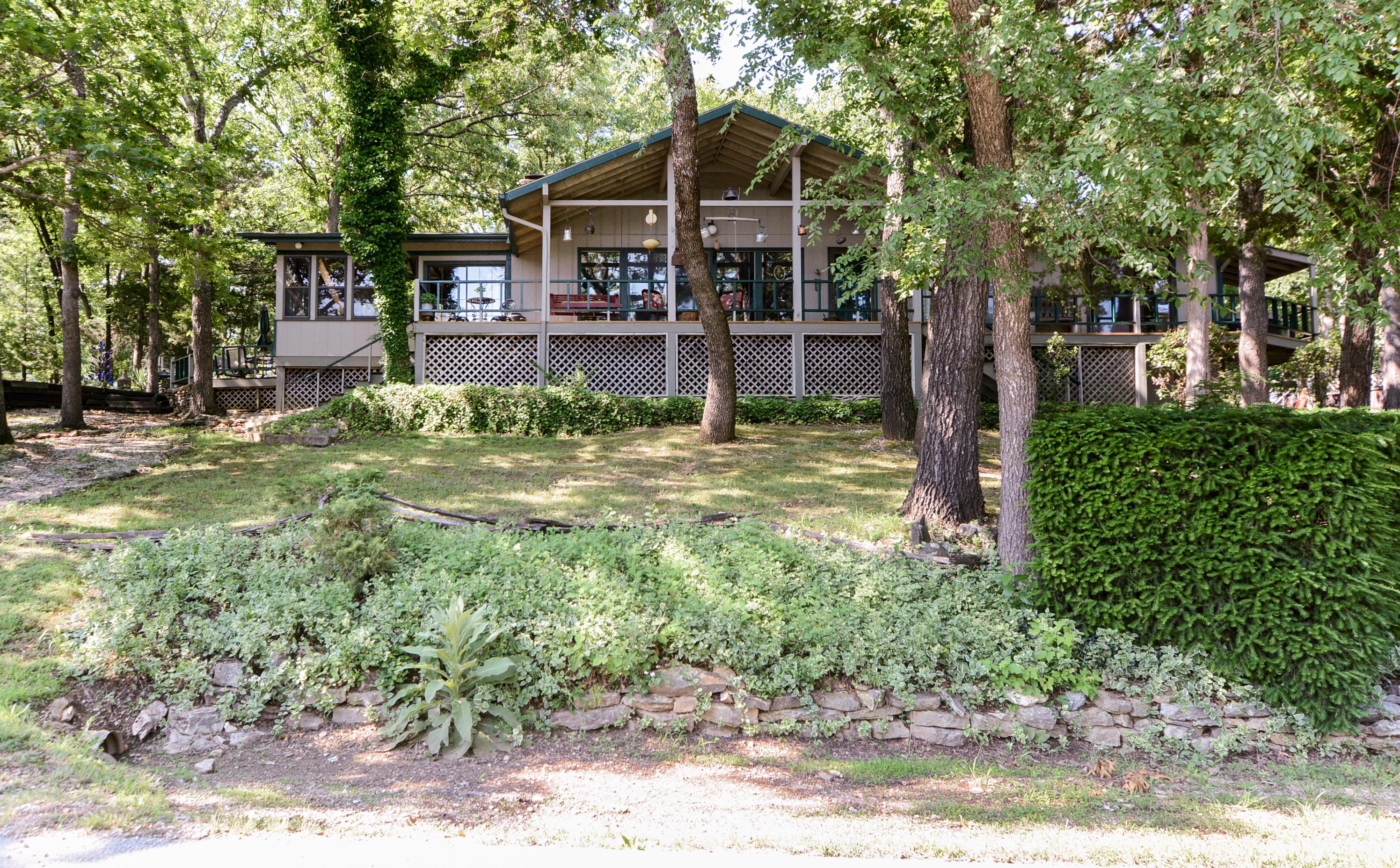 326 Pinewood Drive Reeds Spring, MO 65737