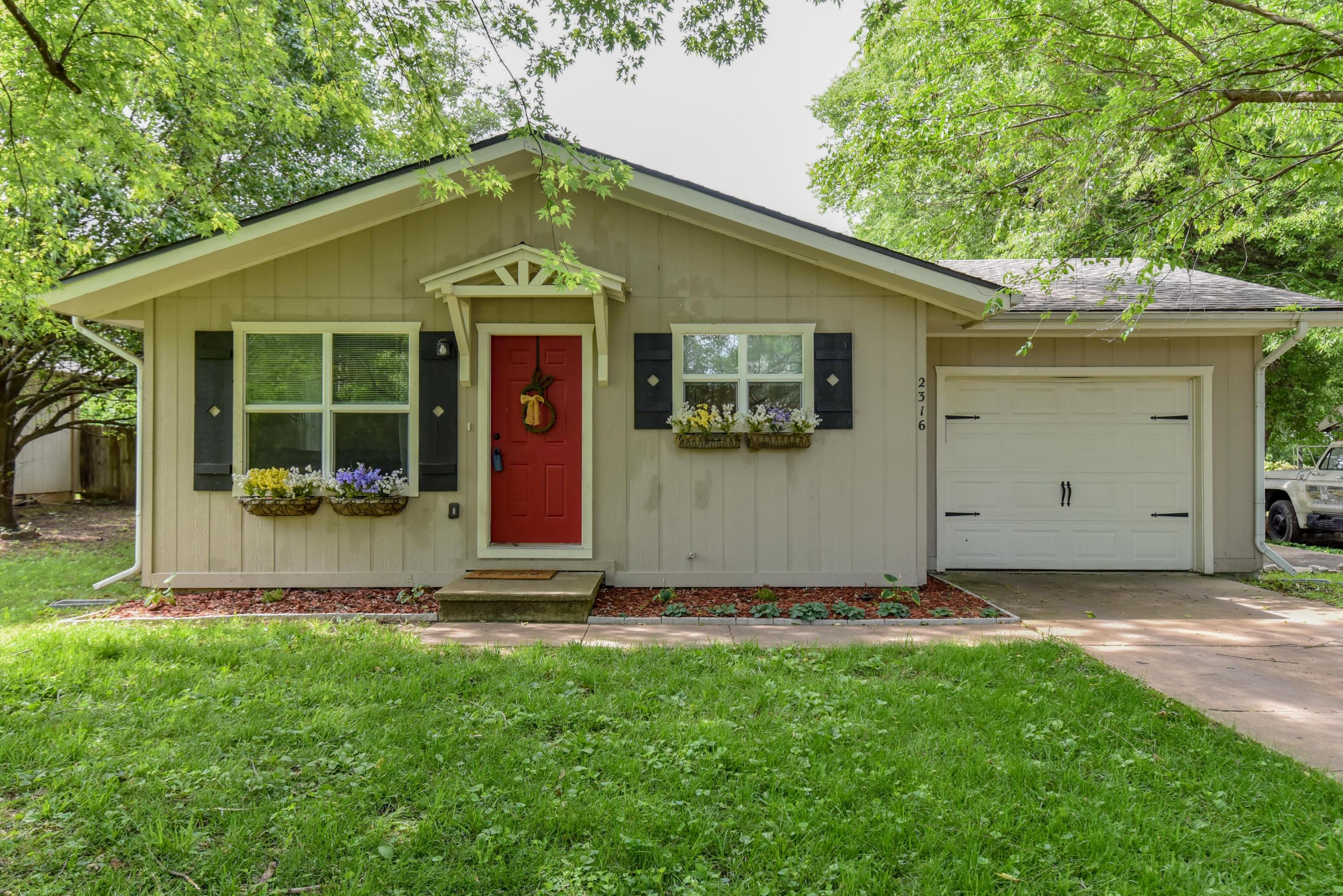2316 East Atlantic Street Springfield, MO 65803