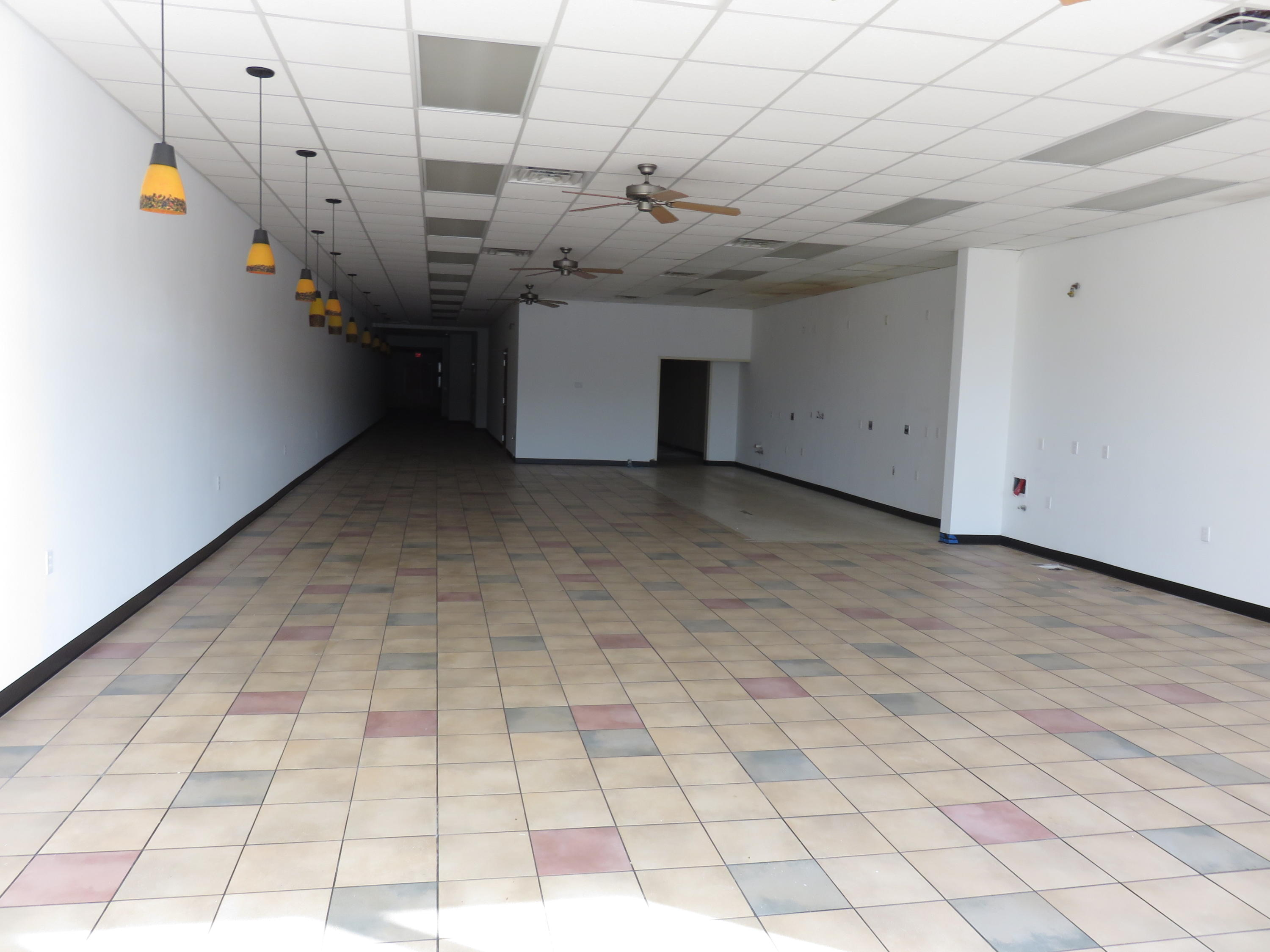 190 Mall Road Hollister, MO 65672