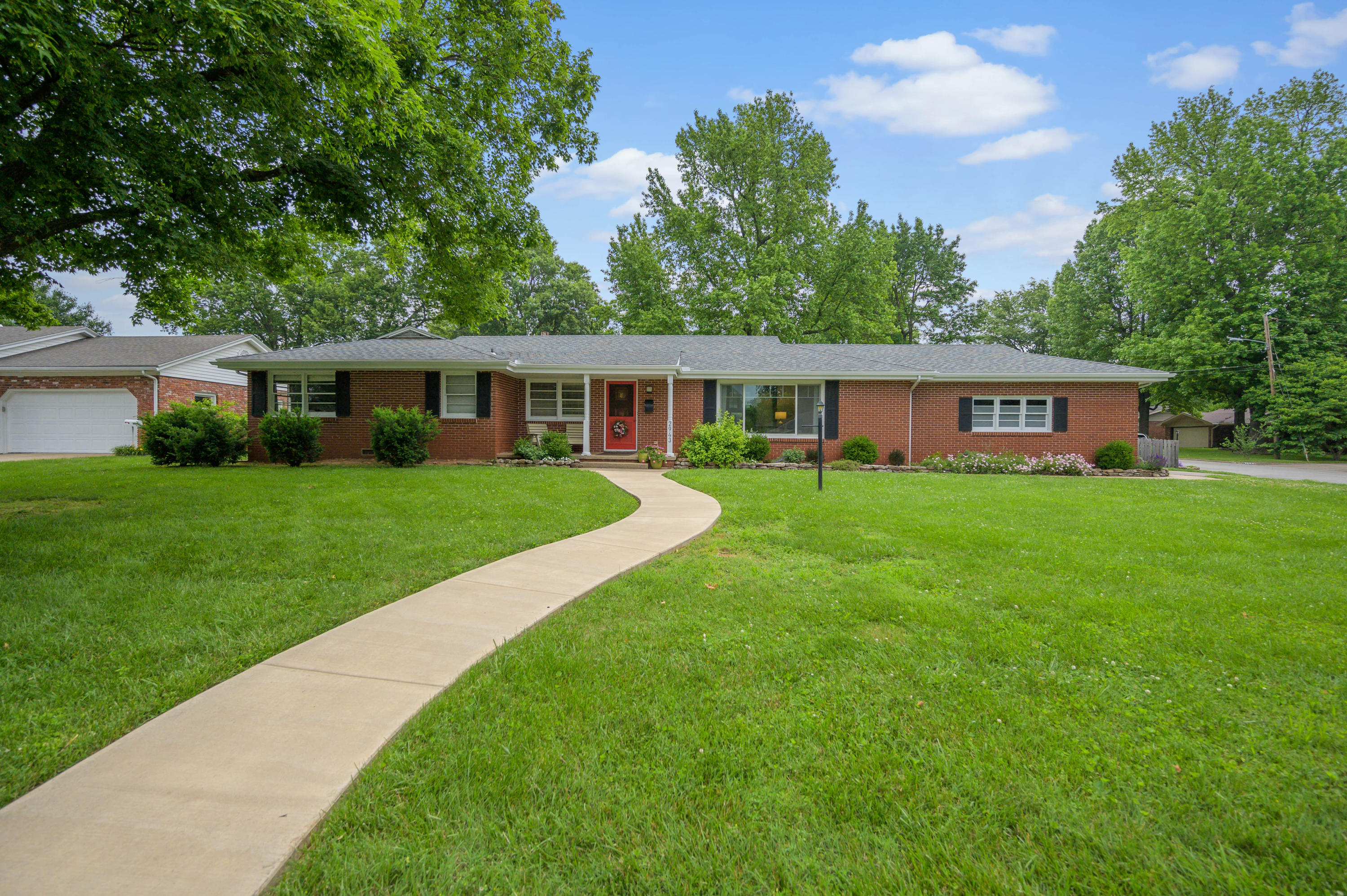2943 East Inglewood Court Springfield, MO 65804