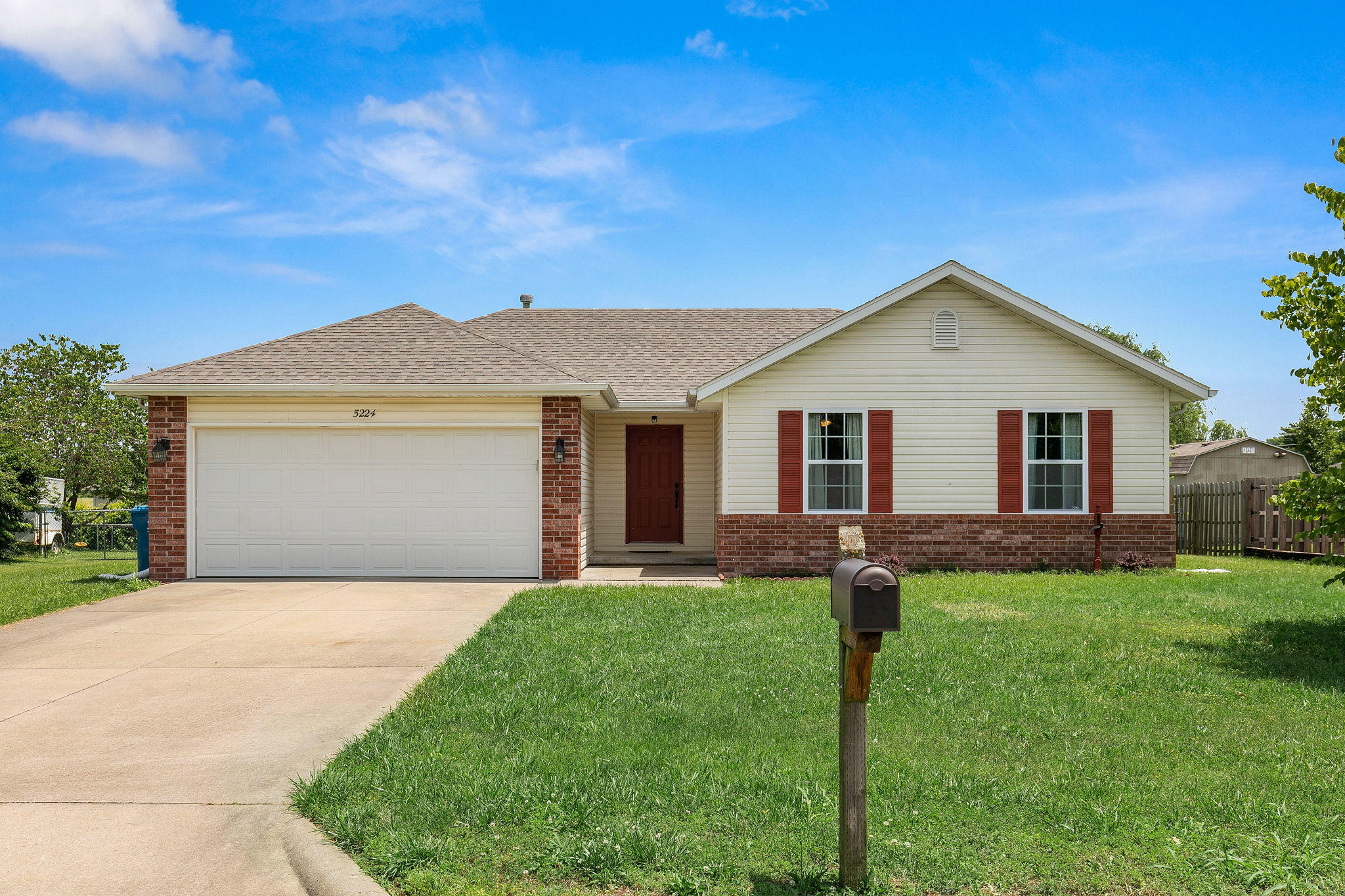 5224 South Hutchinson Court Battlefield, MO 65619