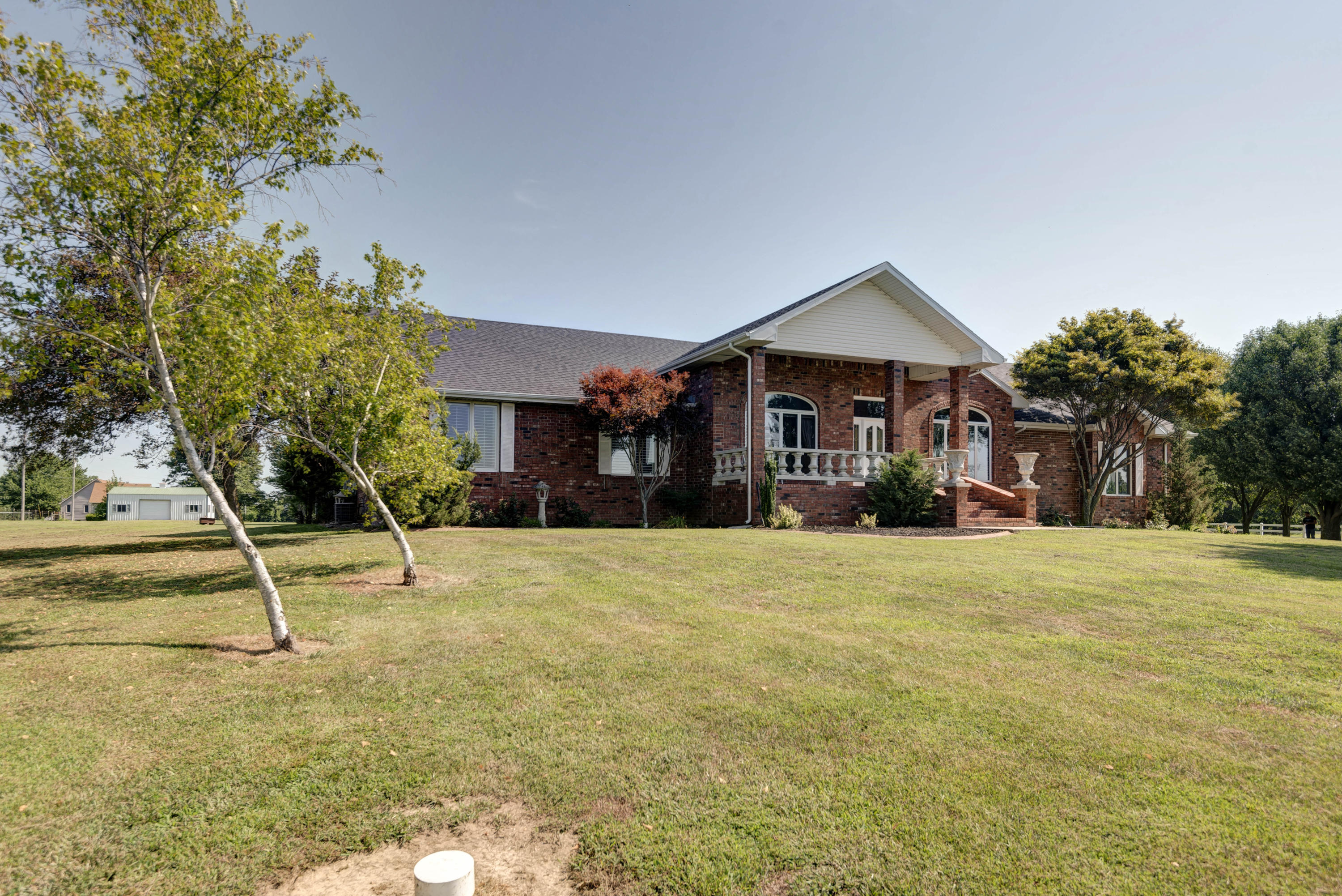 5517 North Farm Road Springfield, MO 65803