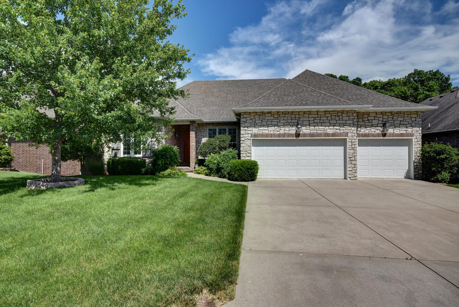 6432 South Meadowview Drive Ozark, MO 65721