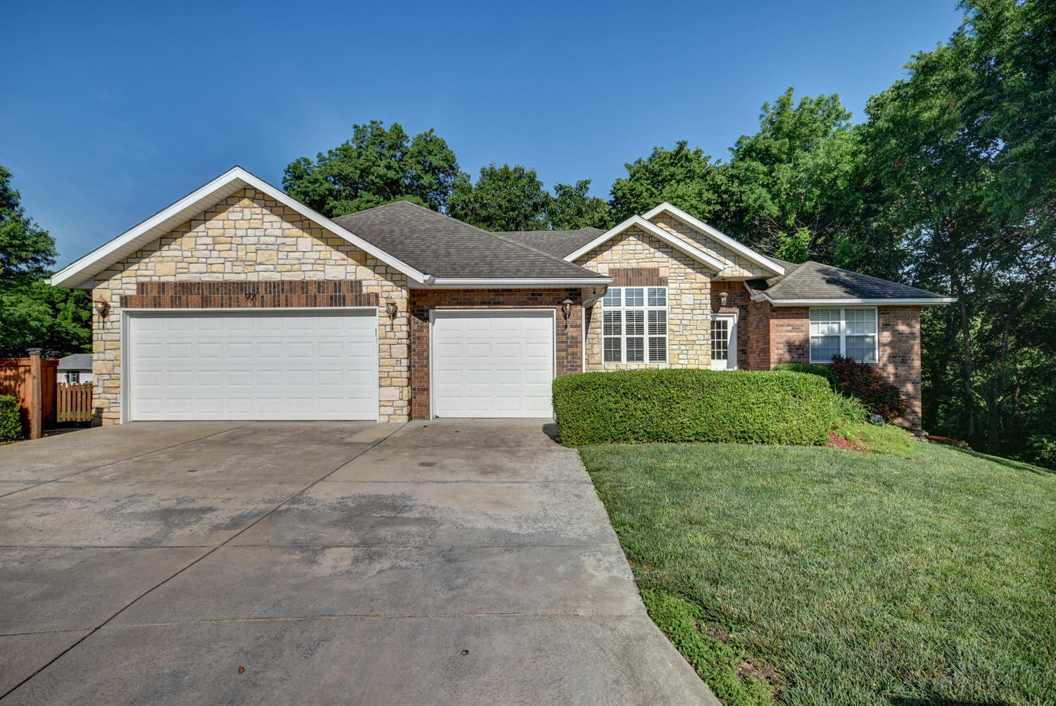 901 East Ridge Court Ozark, MO 65721
